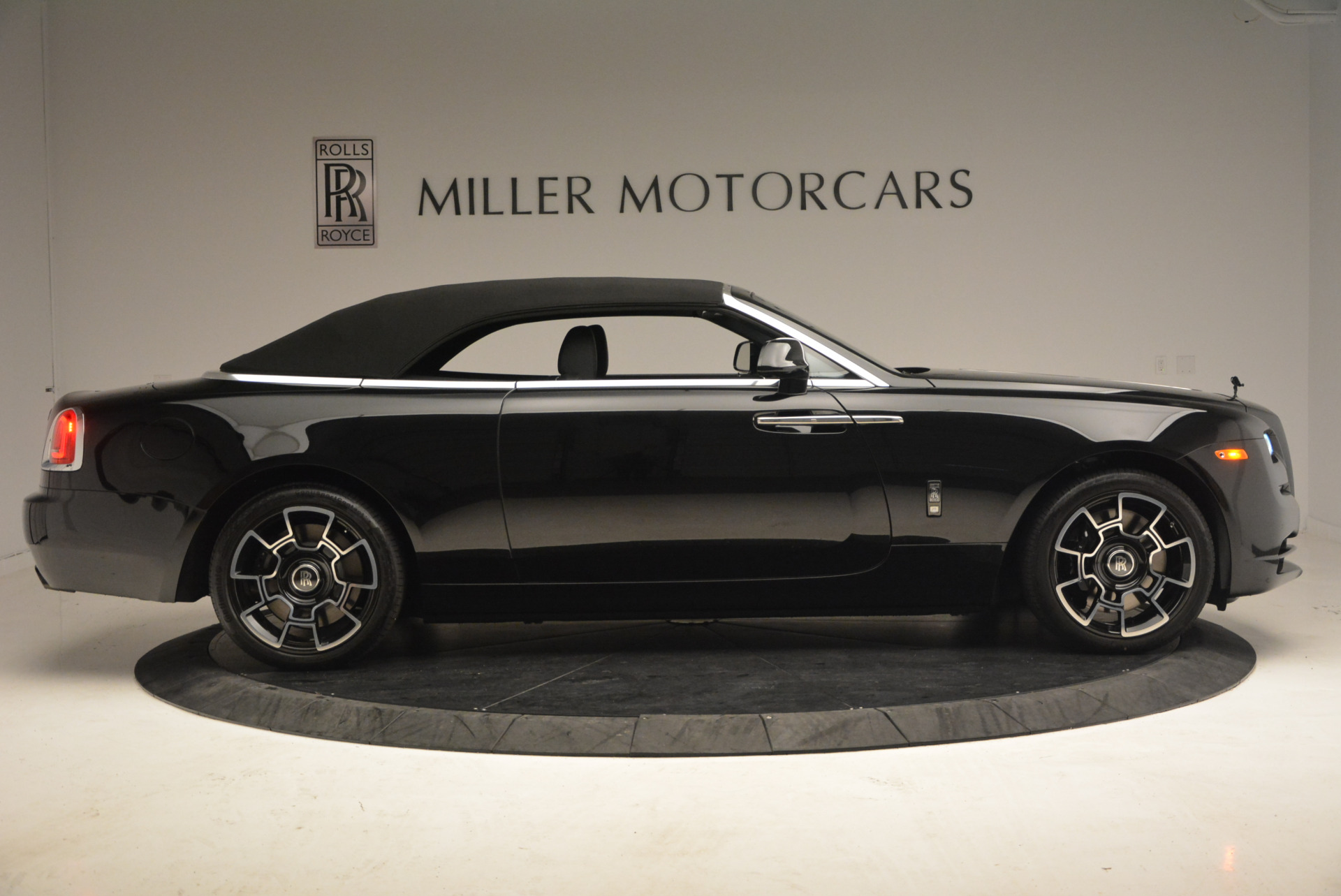 New 2018 Rolls-Royce Dawn Black Badge For Sale In Greenwich, CT 1249_p21