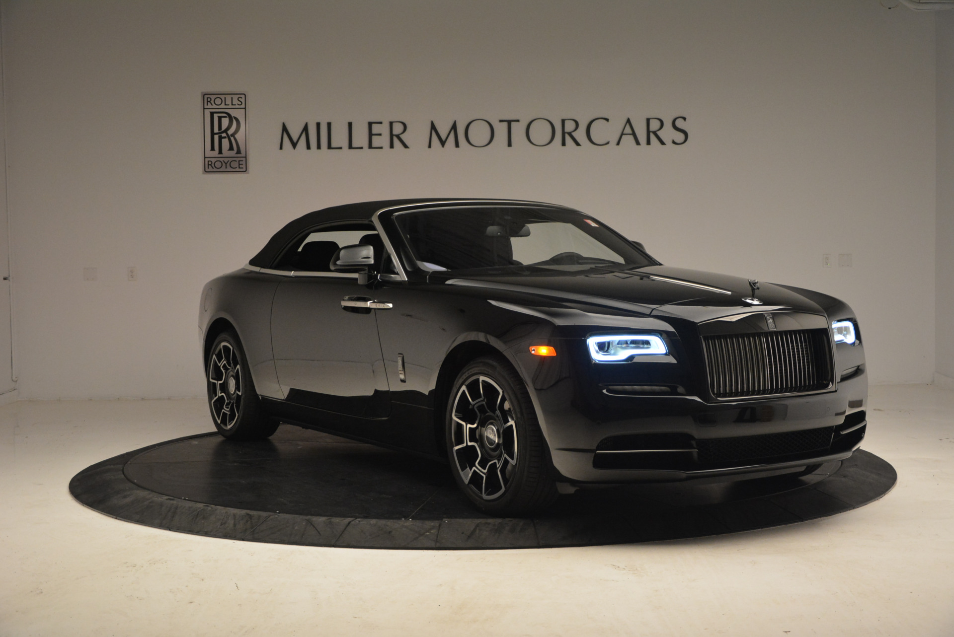 New 2018 Rolls-Royce Dawn Black Badge For Sale In Greenwich, CT 1249_p23
