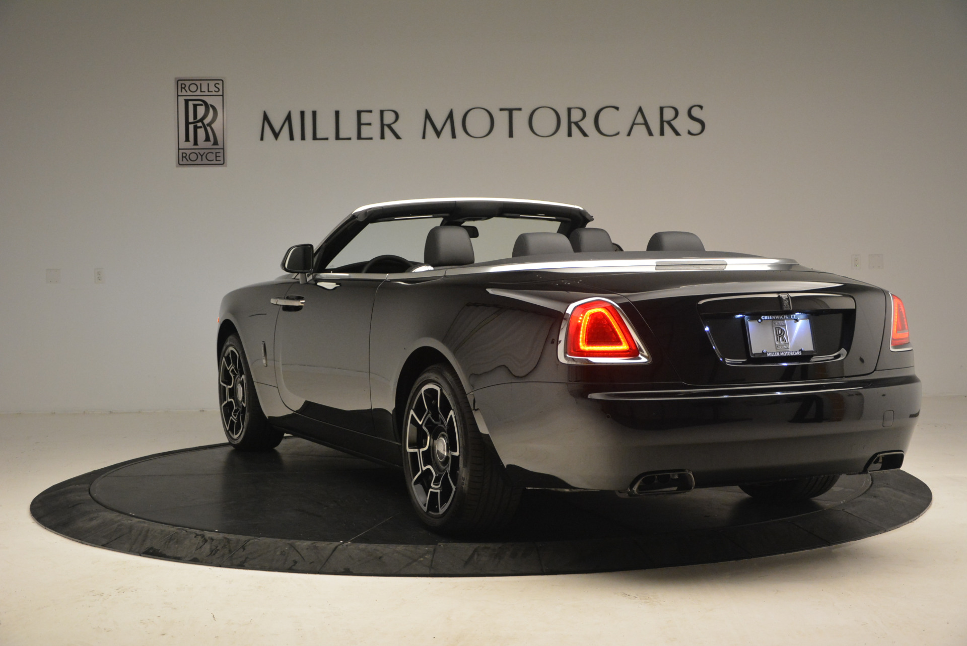 New 2018 Rolls-Royce Dawn Black Badge For Sale In Greenwich, CT 1249_p5