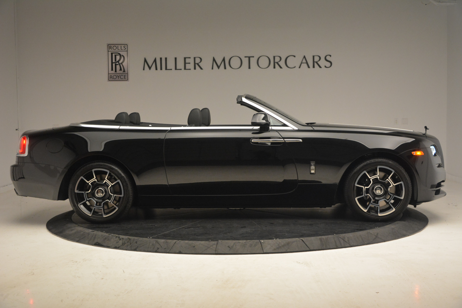 New 2018 Rolls-Royce Dawn Black Badge For Sale In Greenwich, CT 1249_p9