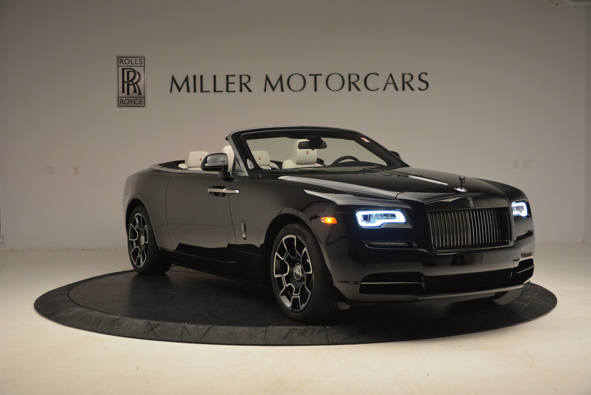 New 2018 Rolls-Royce Dawn Black Badge For Sale In Greenwich, CT 1250_p11