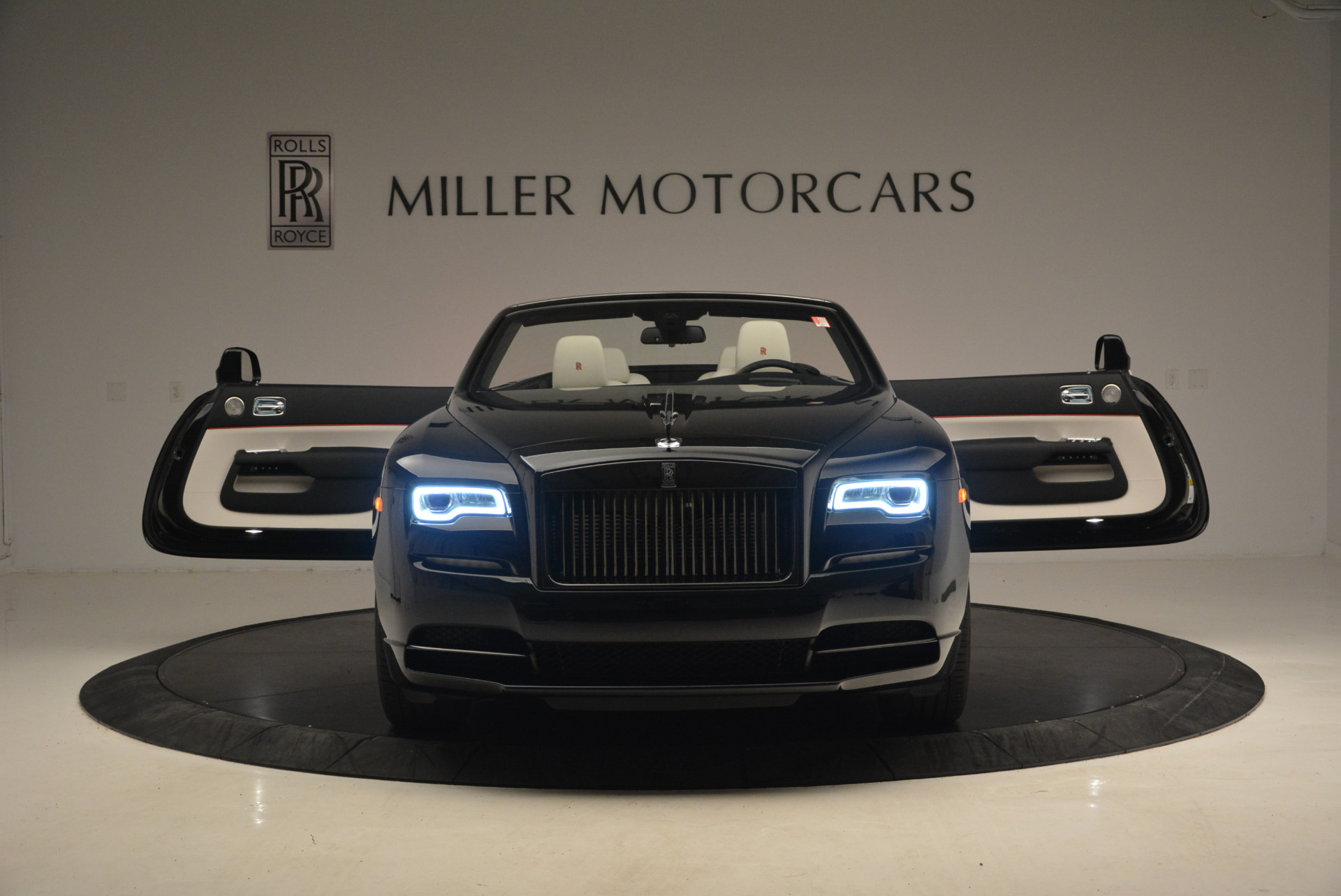 New 2018 Rolls-Royce Dawn Black Badge For Sale In Greenwich, CT 1250_p13