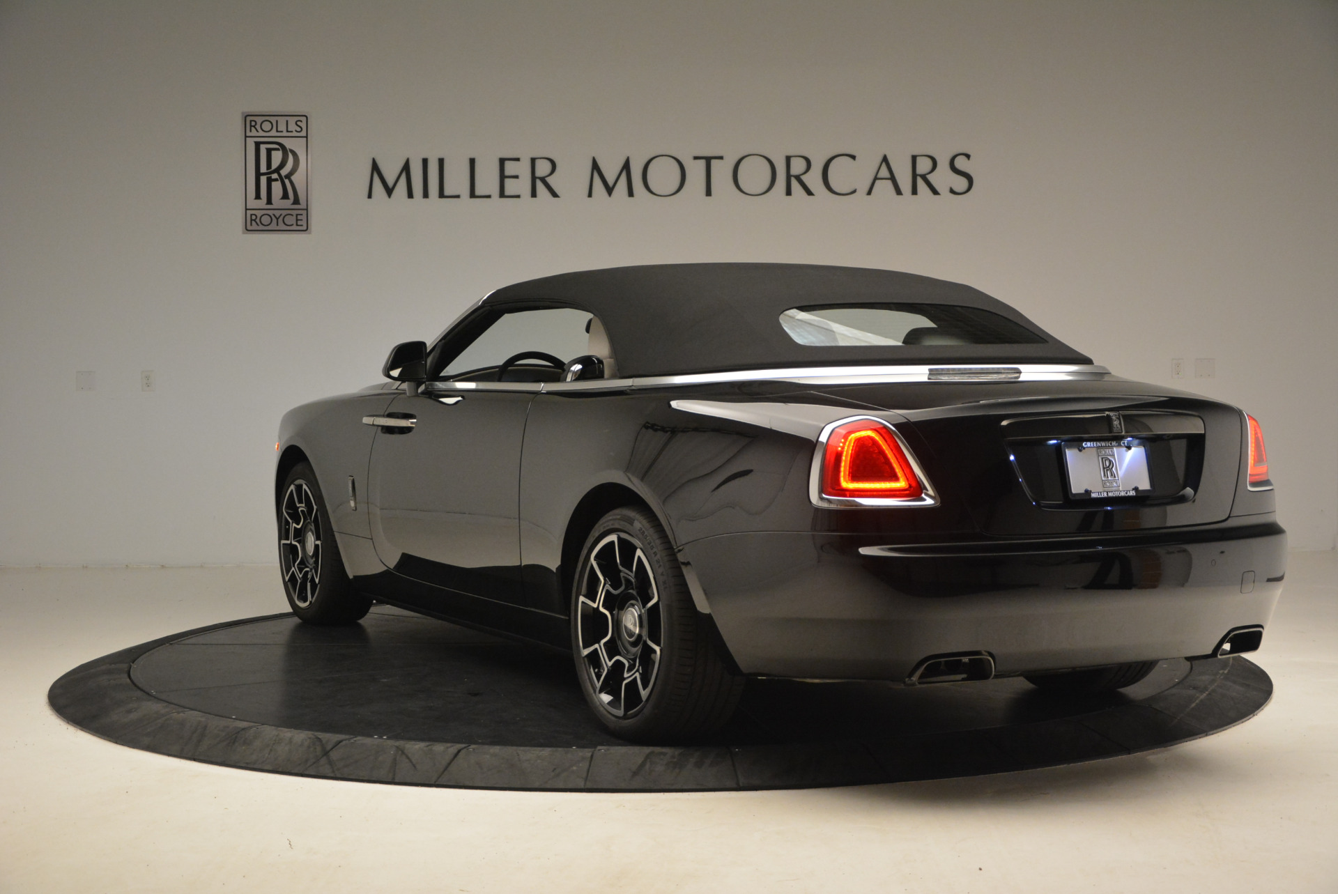 New 2018 Rolls-Royce Dawn Black Badge For Sale In Greenwich, CT 1250_p18