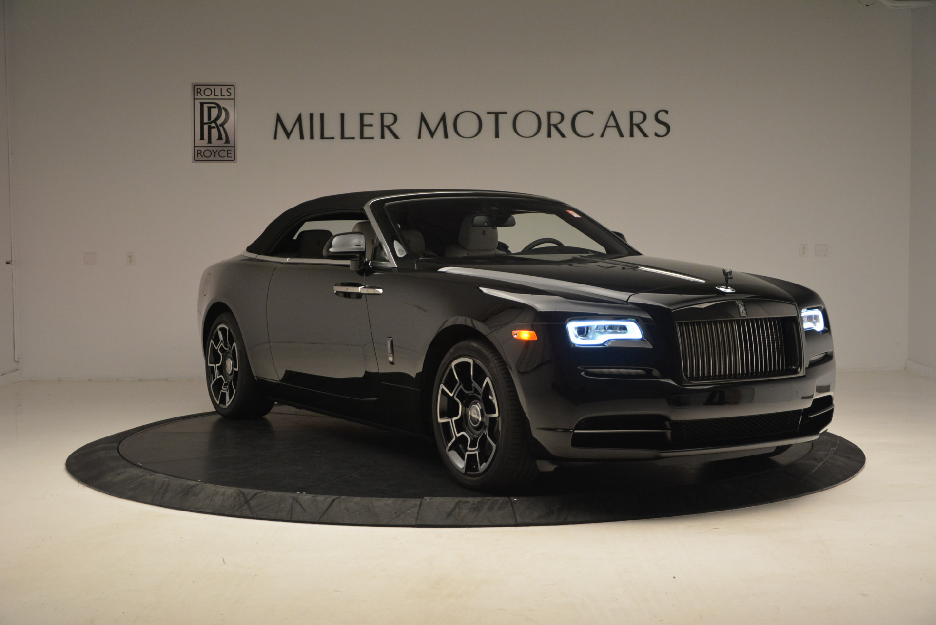 New 2018 Rolls-Royce Dawn Black Badge For Sale In Greenwich, CT 1250_p24