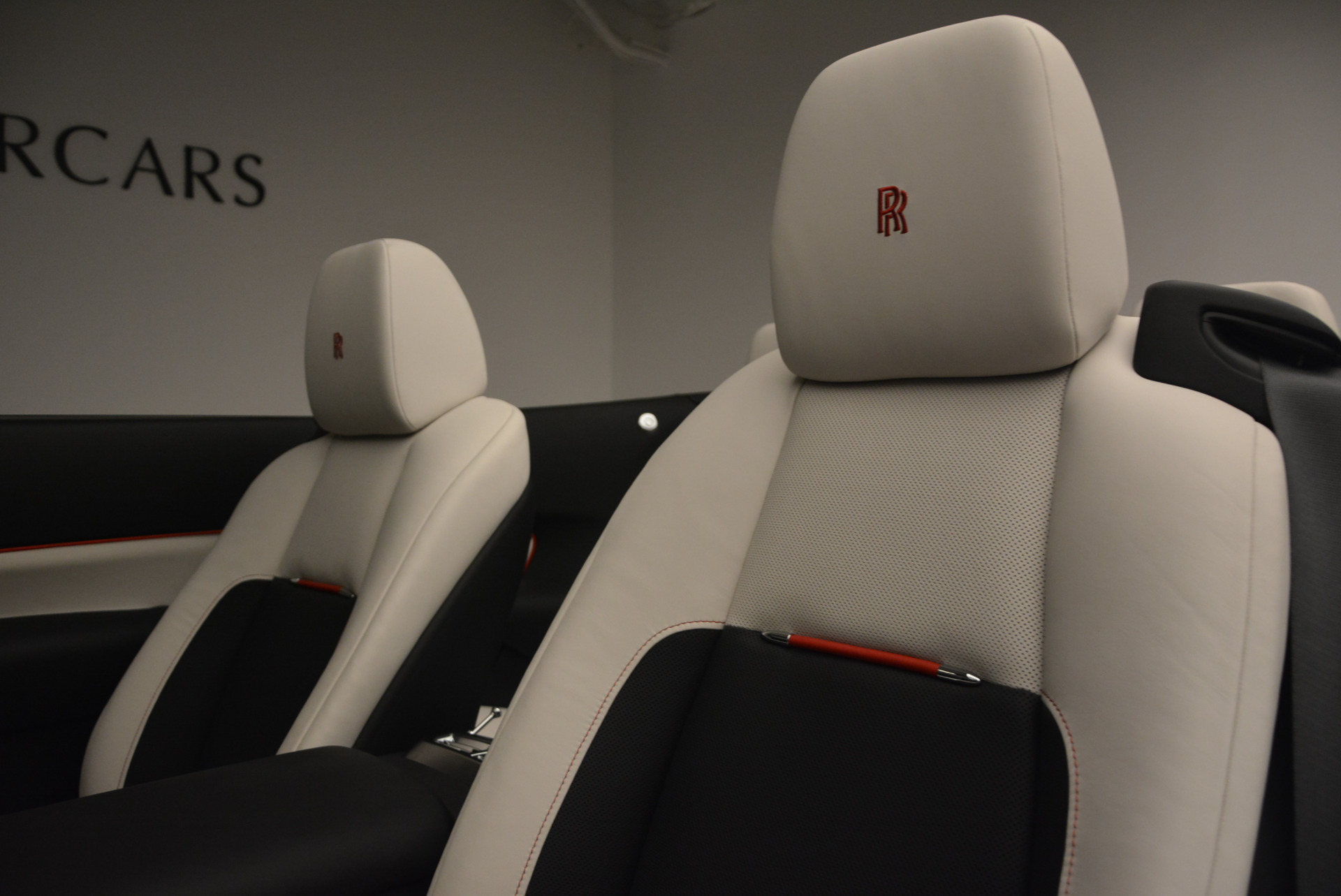 New 2018 Rolls-Royce Dawn Black Badge For Sale In Greenwich, CT 1250_p32