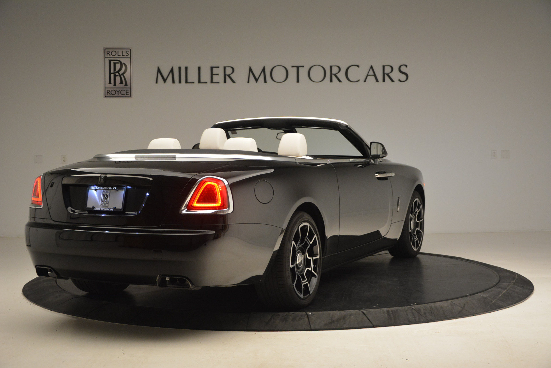 New 2018 Rolls-Royce Dawn Black Badge For Sale In Greenwich, CT 1250_p7