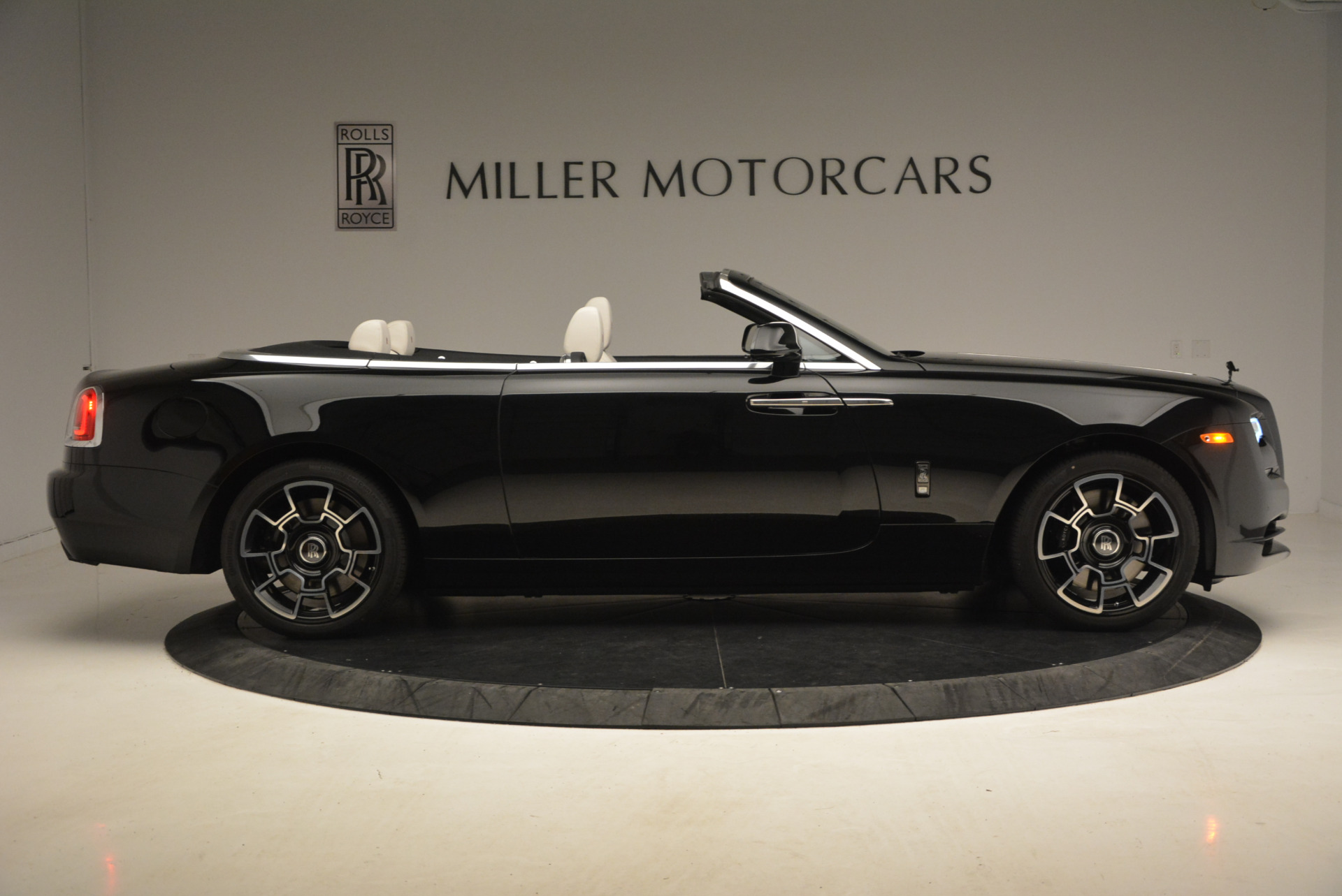 New 2018 Rolls-Royce Dawn Black Badge For Sale In Greenwich, CT 1250_p9