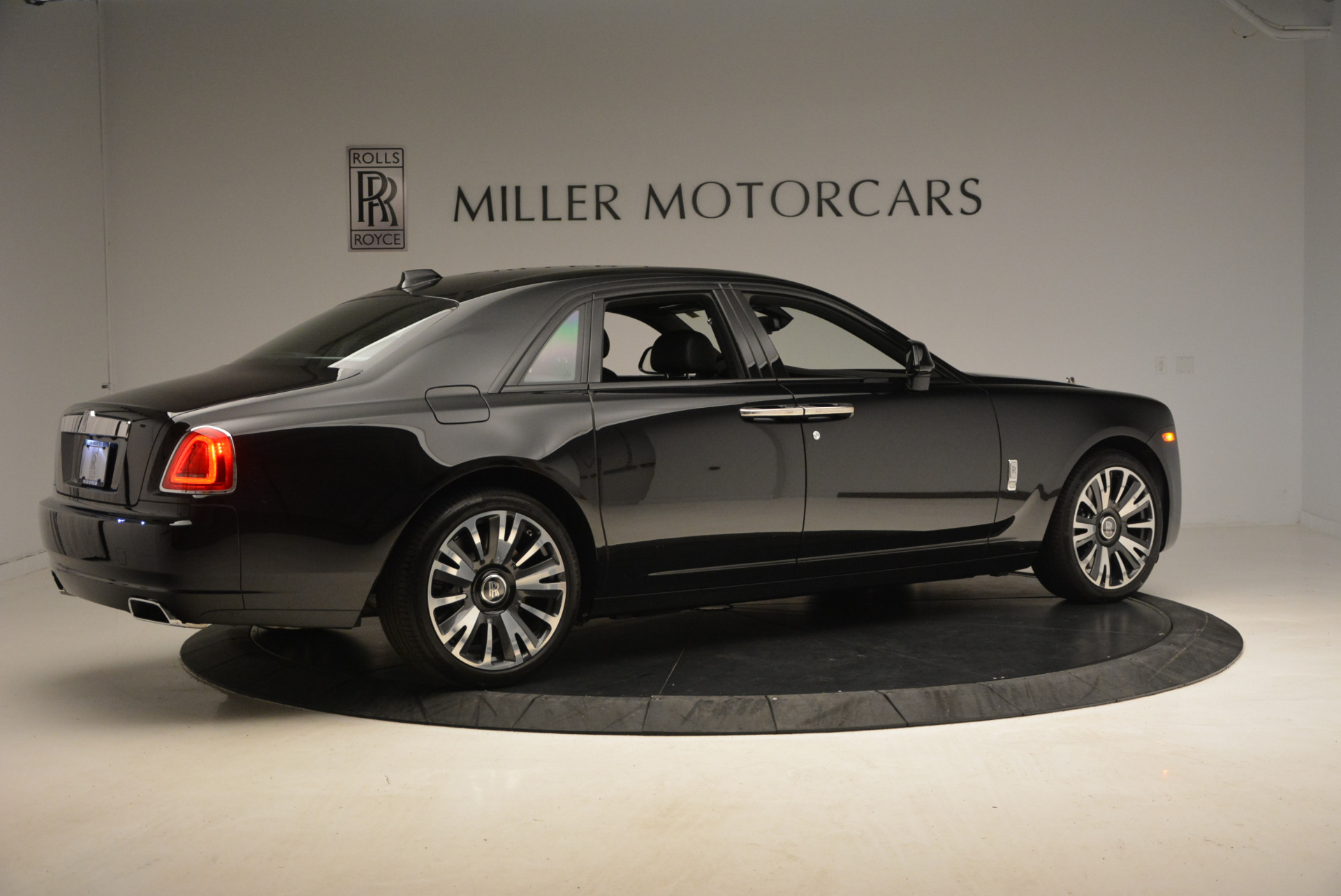 New 2018 Rolls-Royce Ghost  For Sale In Greenwich, CT 1252_p10