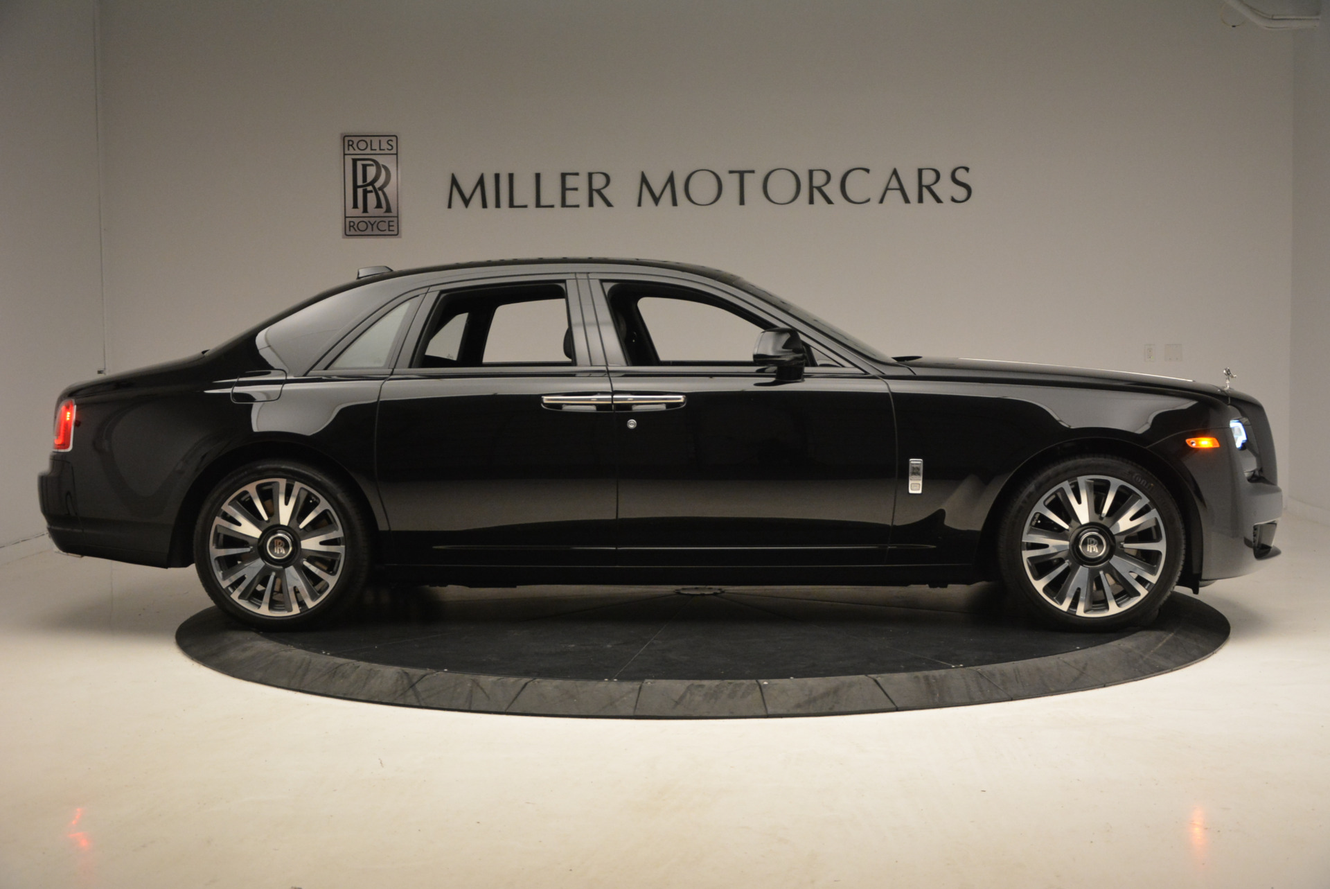 New 2018 Rolls-Royce Ghost  For Sale In Greenwich, CT 1252_p11