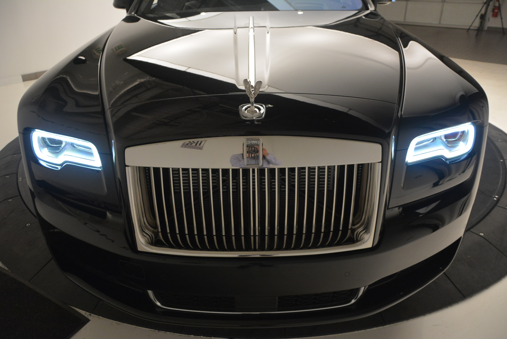 New 2018 Rolls-Royce Ghost  For Sale In Greenwich, CT 1252_p16