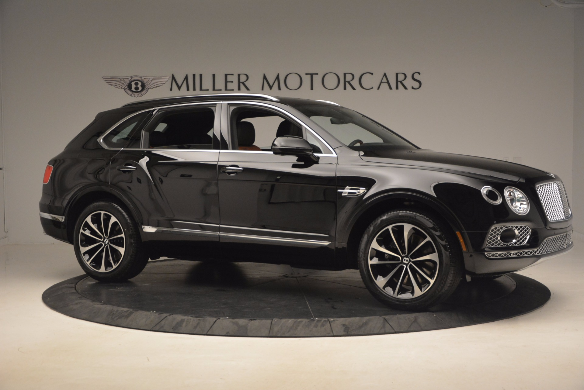 New 2018 Bentley Bentayga Activity Edition-Now with seating for 7!!! For Sale In Greenwich, CT 1255_p10