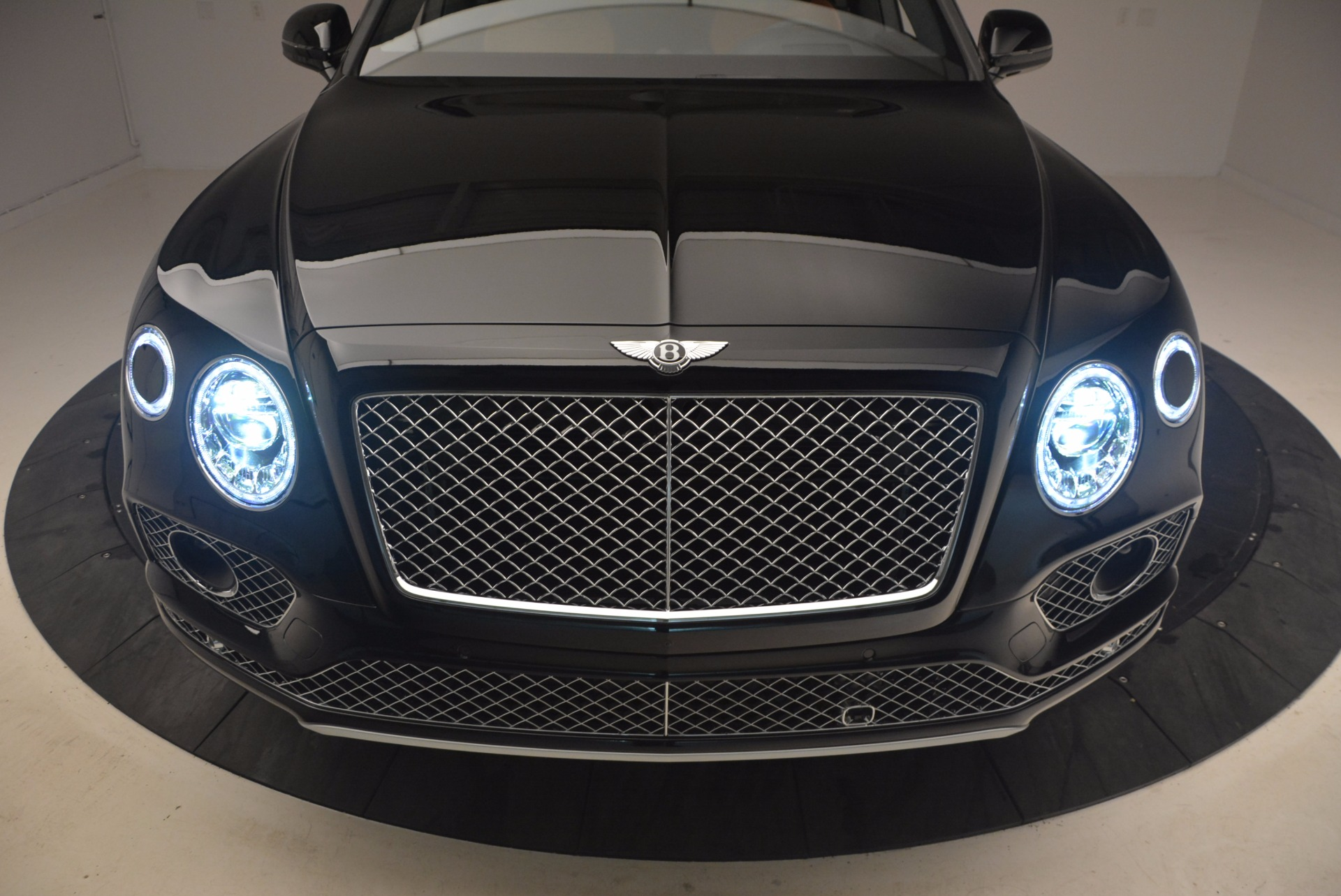 New 2018 Bentley Bentayga Activity Edition-Now with seating for 7!!! For Sale In Greenwich, CT 1255_p18