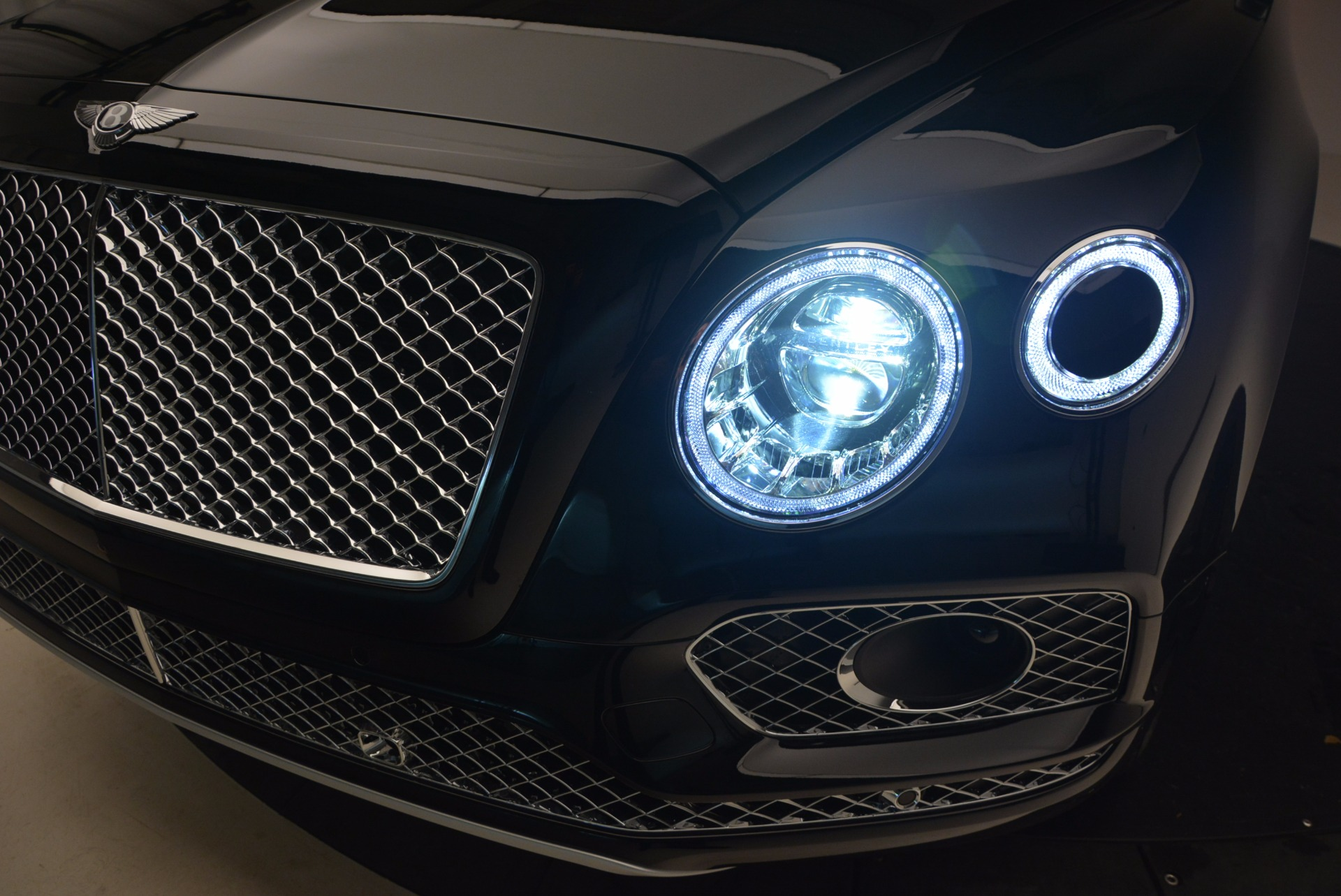 New 2018 Bentley Bentayga Activity Edition-Now with seating for 7!!! For Sale In Greenwich, CT 1255_p19