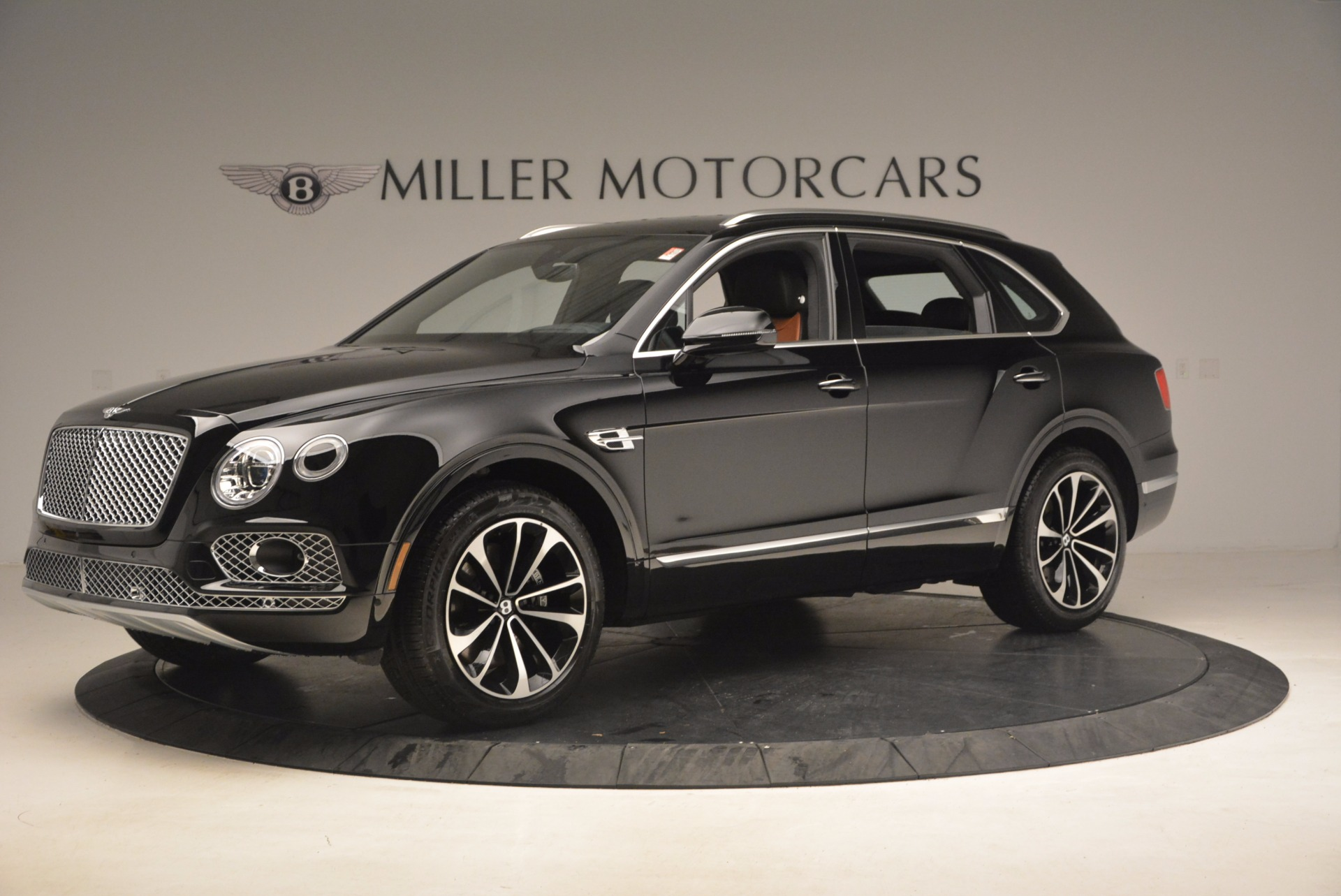 New 2018 Bentley Bentayga Activity Edition-Now with seating for 7!!! For Sale In Greenwich, CT 1255_p2