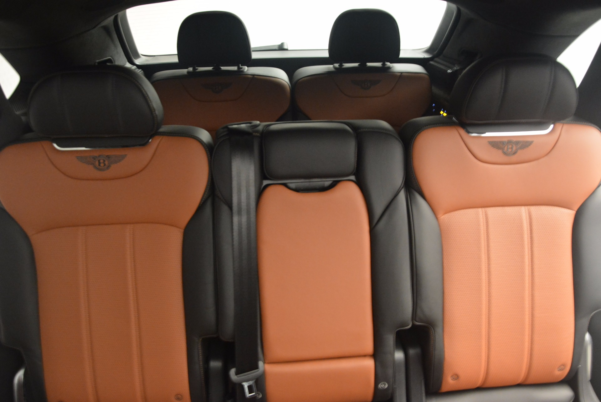 New 2018 Bentley Bentayga Activity Edition-Now with seating for 7!!! For Sale In Greenwich, CT 1255_p34