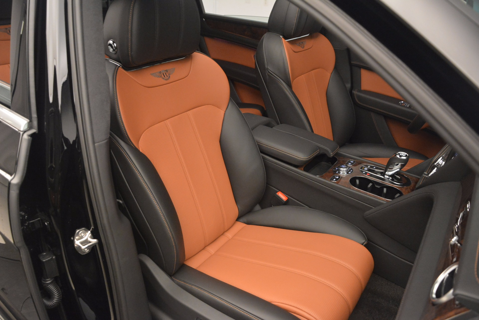 New 2018 Bentley Bentayga Activity Edition-Now with seating for 7!!! For Sale In Greenwich, CT 1255_p40