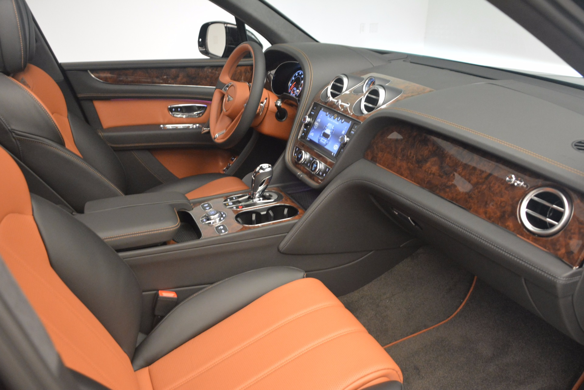 New 2018 Bentley Bentayga Activity Edition-Now with seating for 7!!! For Sale In Greenwich, CT 1255_p42