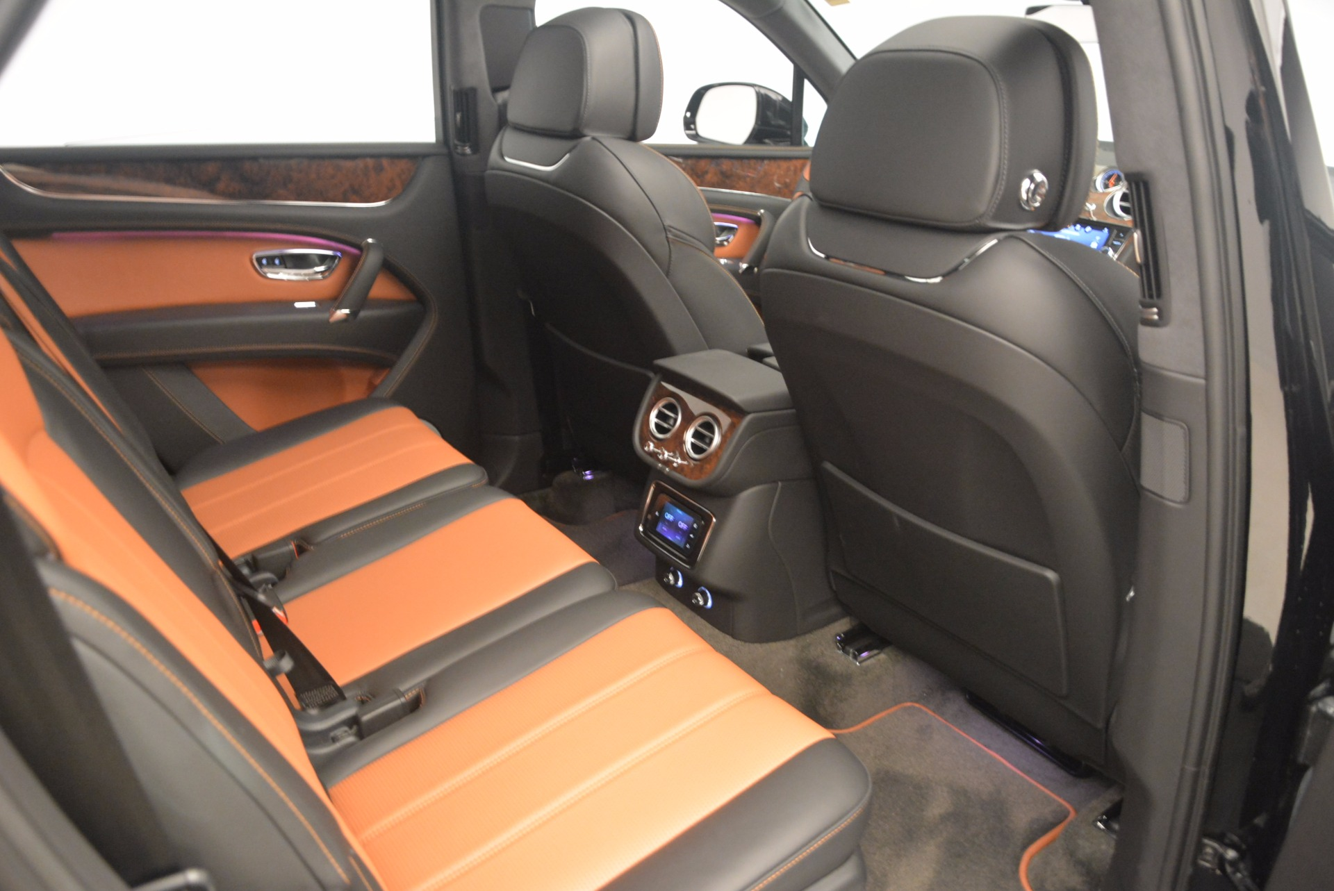 New 2018 Bentley Bentayga Activity Edition-Now with seating for 7!!! For Sale In Greenwich, CT 1255_p45