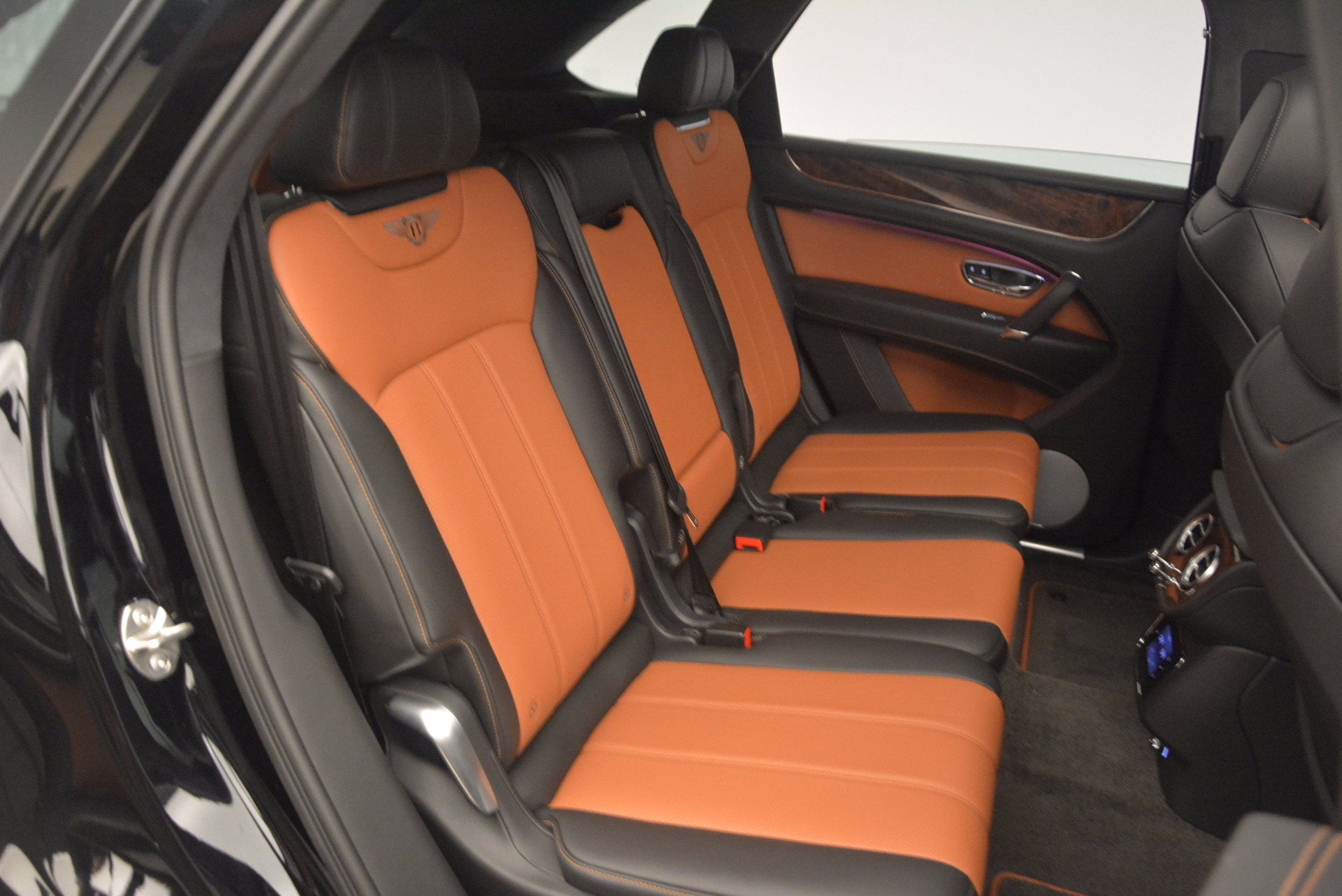 New 2018 Bentley Bentayga Activity Edition-Now with seating for 7!!! For Sale In Greenwich, CT 1255_p47