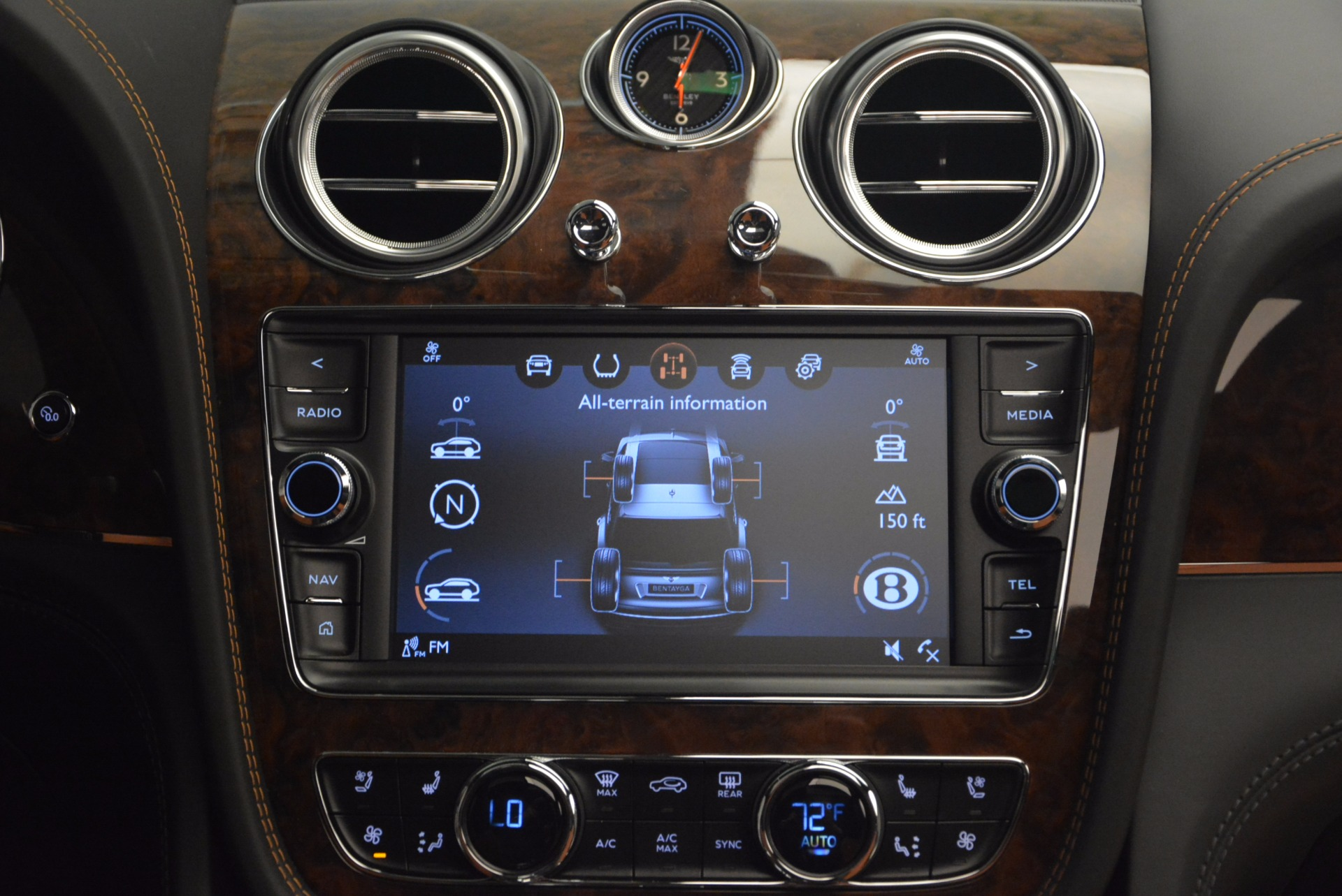 New 2018 Bentley Bentayga Activity Edition-Now with seating for 7!!! For Sale In Greenwich, CT 1255_p49