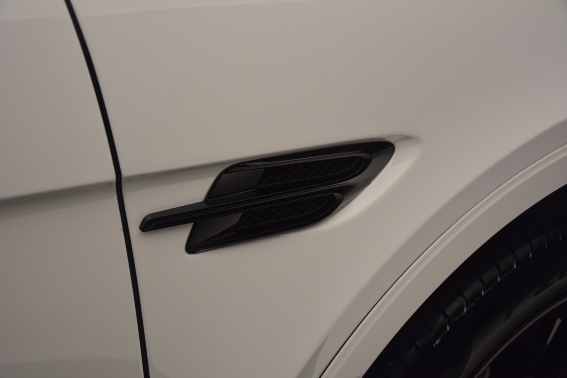New 2018 Bentley Bentayga Black Edition For Sale In Greenwich, CT 1260_p40