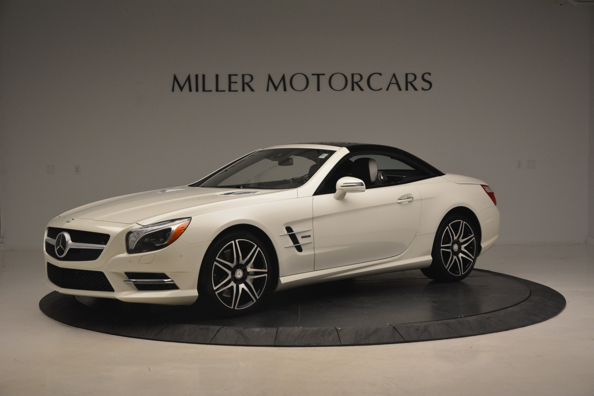 Used 2015 Mercedes Benz SL-Class SL 550 For Sale In Greenwich, CT 1261_p16