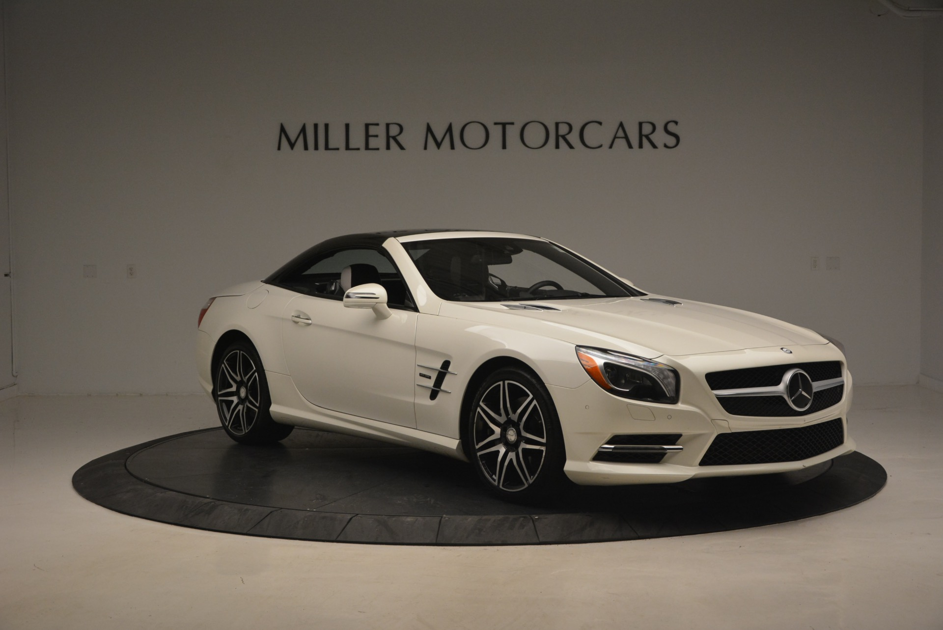 Used 2015 Mercedes Benz SL-Class SL 550 For Sale In Greenwich, CT 1261_p25