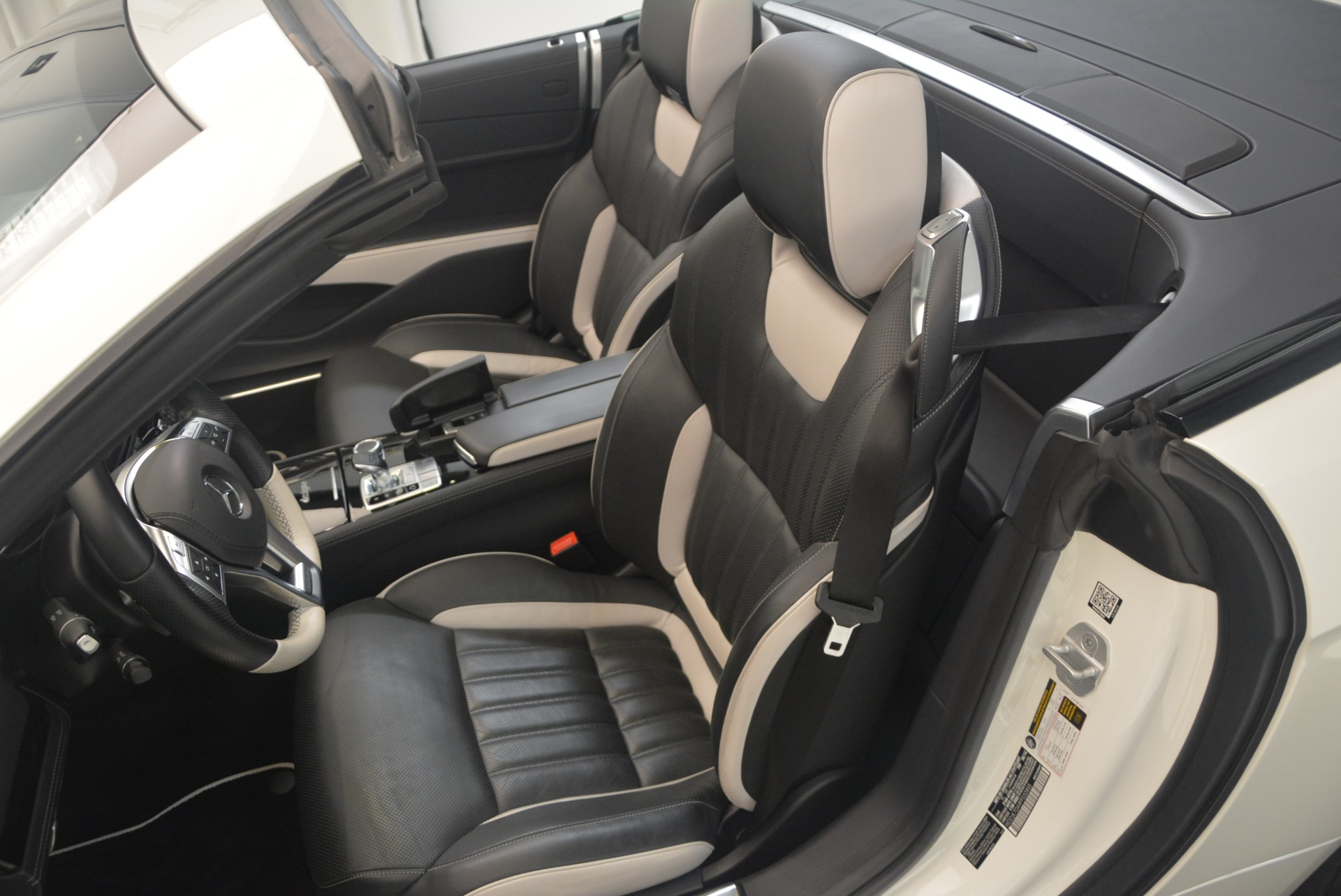 Used 2015 Mercedes Benz SL-Class SL 550 For Sale In Greenwich, CT 1261_p30