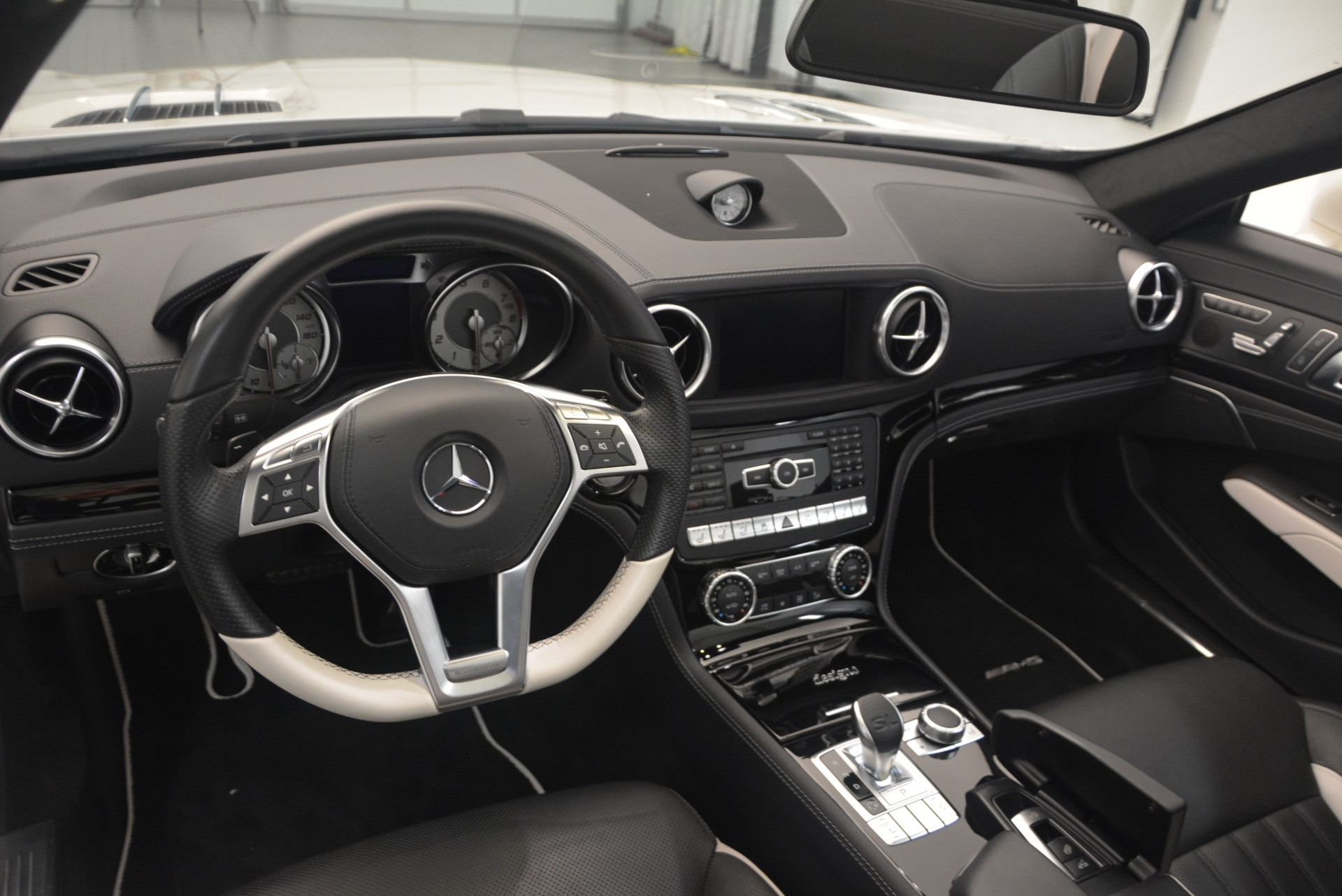 Used 2015 Mercedes Benz SL-Class SL 550 For Sale In Greenwich, CT 1261_p31