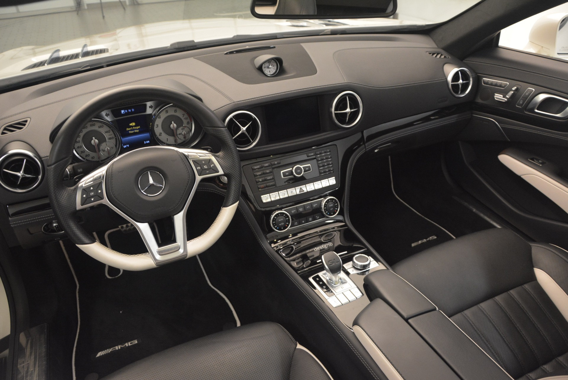 Used 2015 Mercedes Benz SL-Class SL 550 For Sale In Greenwich, CT 1261_p32