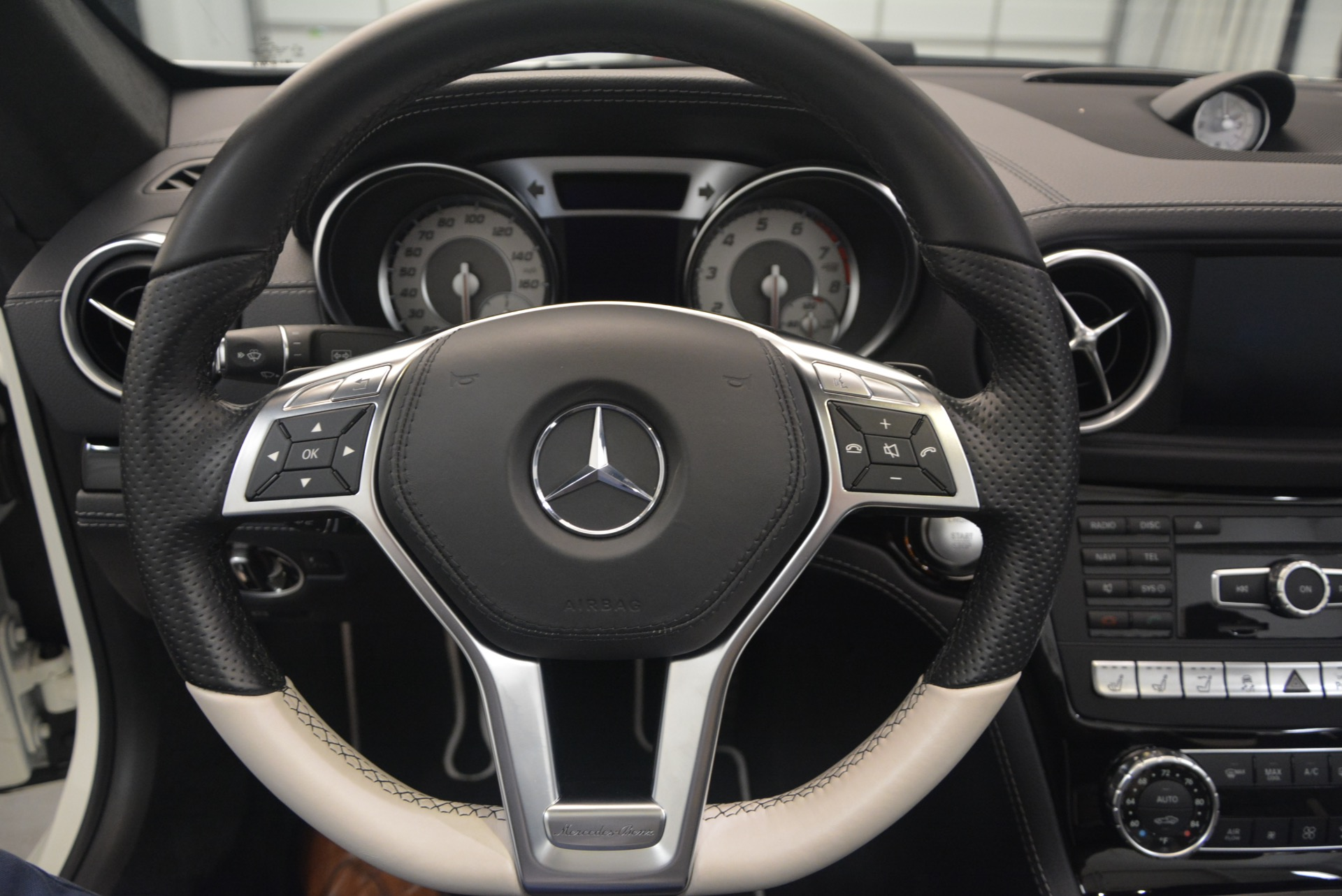 Used 2015 Mercedes Benz SL-Class SL 550 For Sale In Greenwich, CT 1261_p33
