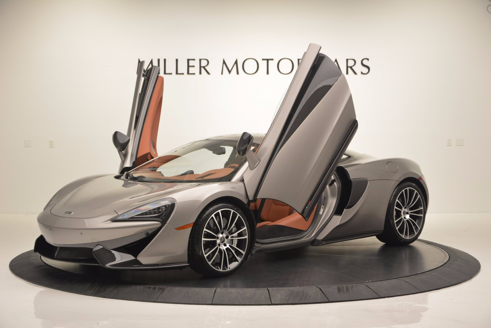 Used 2016 McLaren 570S  For Sale In Greenwich, CT 1267_p14