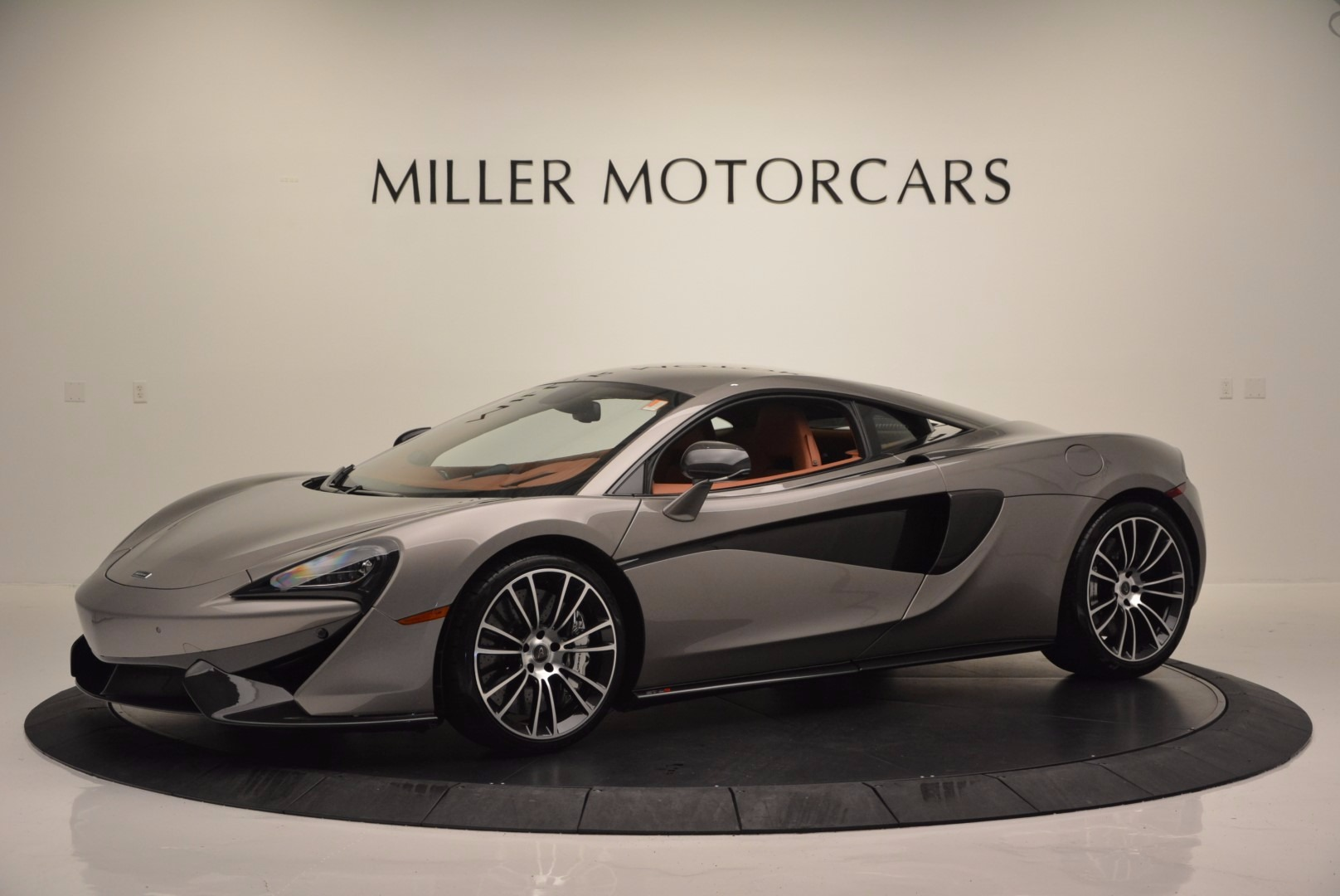 Used 2016 McLaren 570S  For Sale In Greenwich, CT 1267_p2