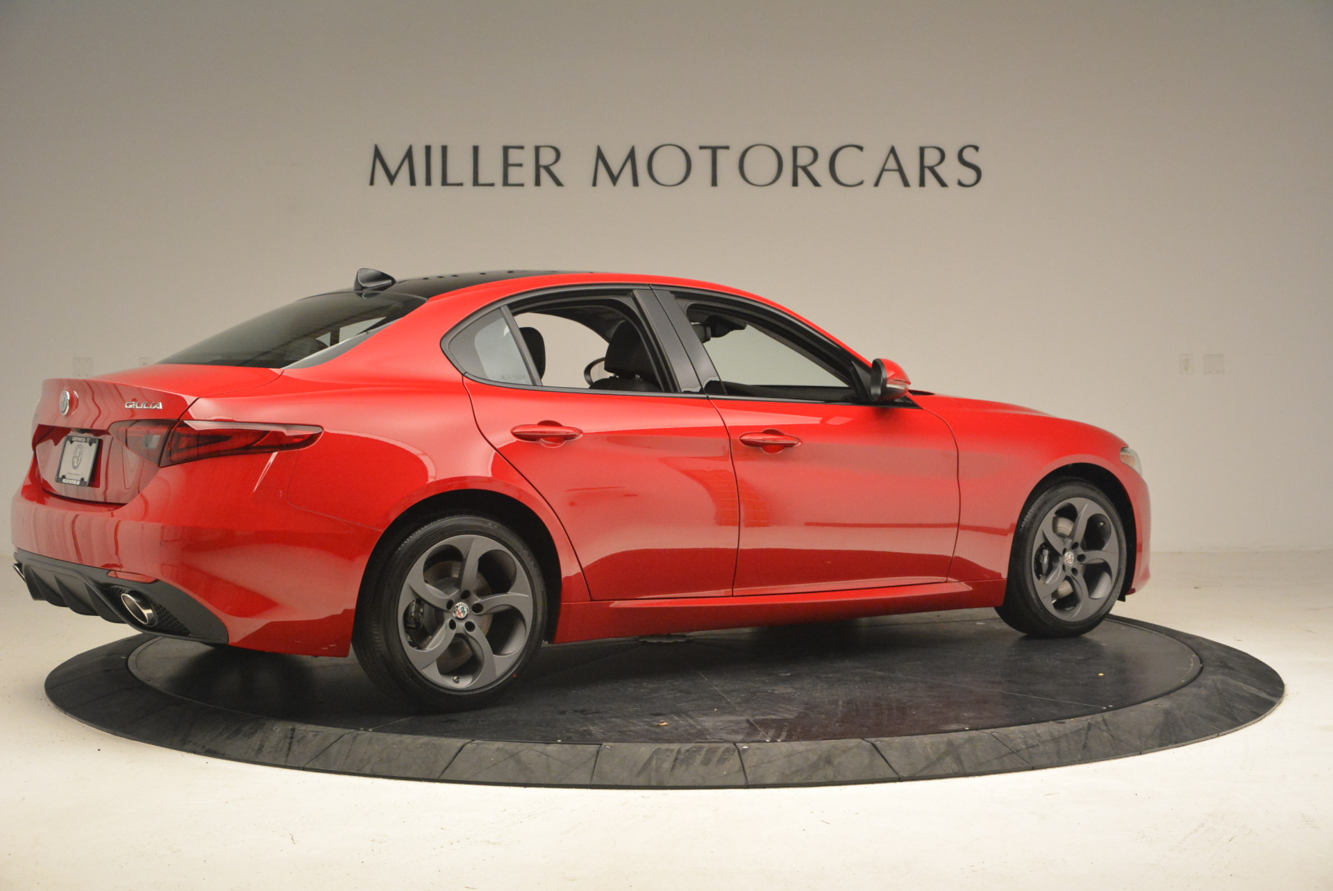New 2017 Alfa Romeo Giulia Q4 For Sale In Greenwich, CT 1268_p9