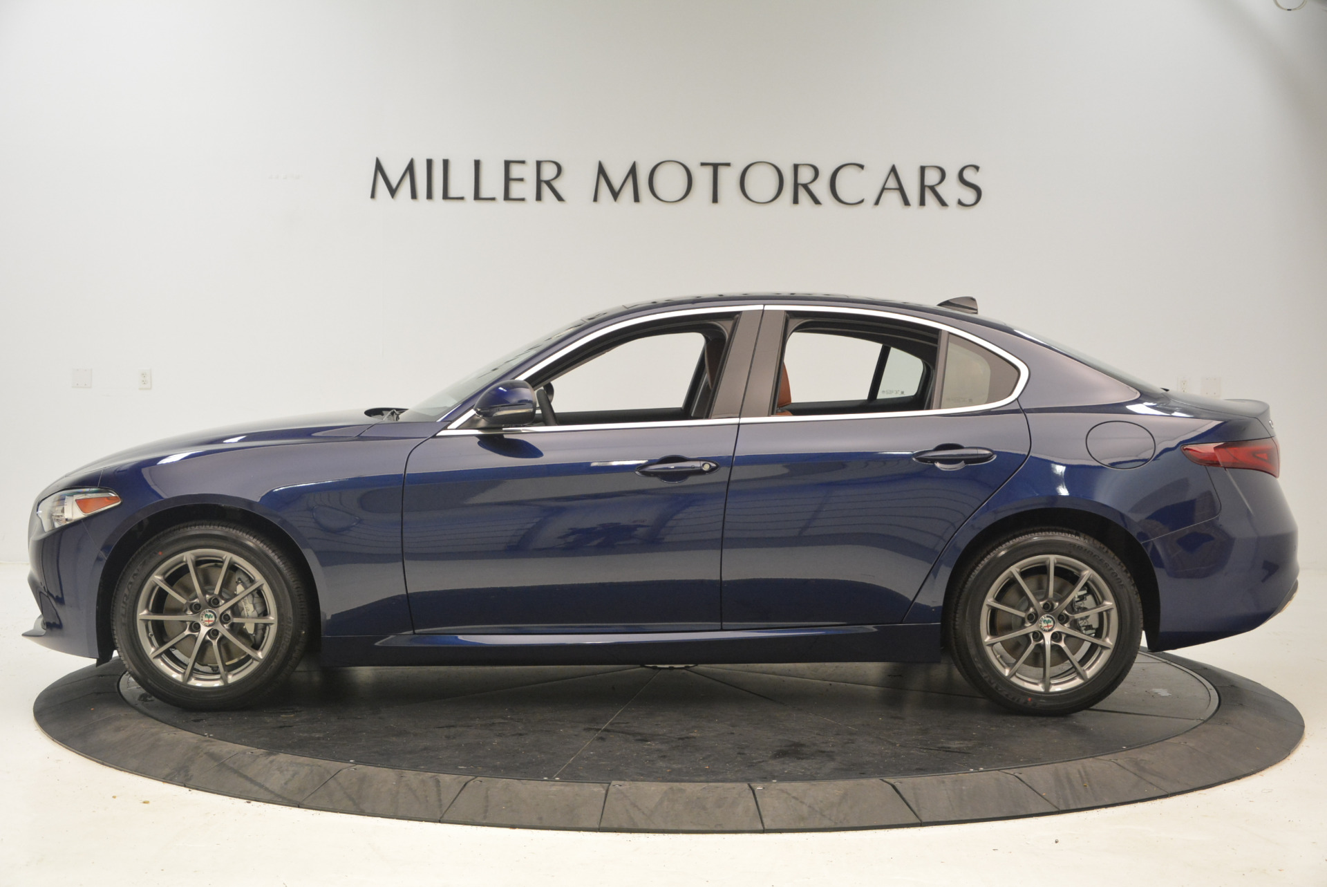 New 2017 Alfa Romeo Giulia Q4 For Sale In Greenwich, CT 1276_p3