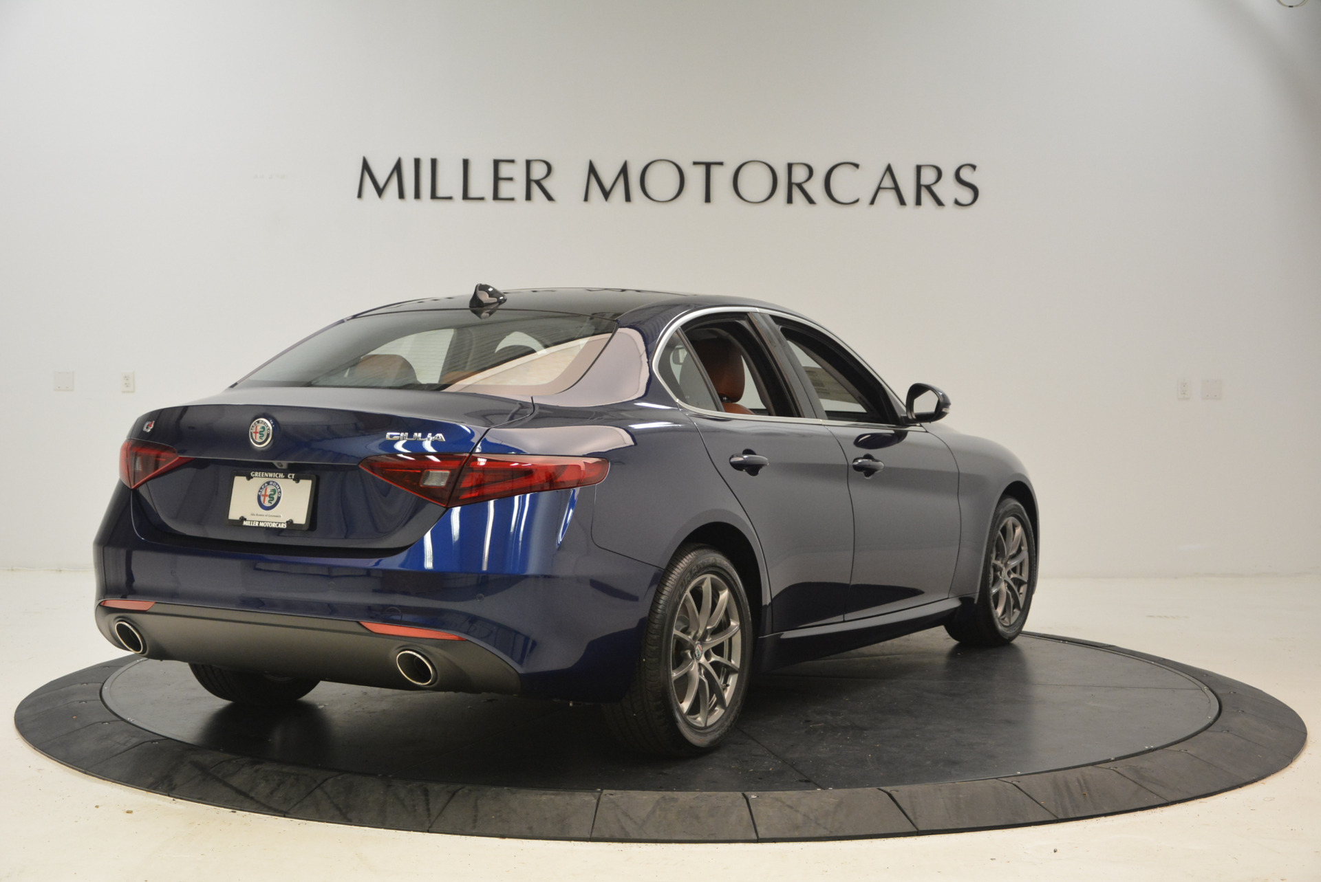 New 2017 Alfa Romeo Giulia Q4 For Sale In Greenwich, CT 1276_p7