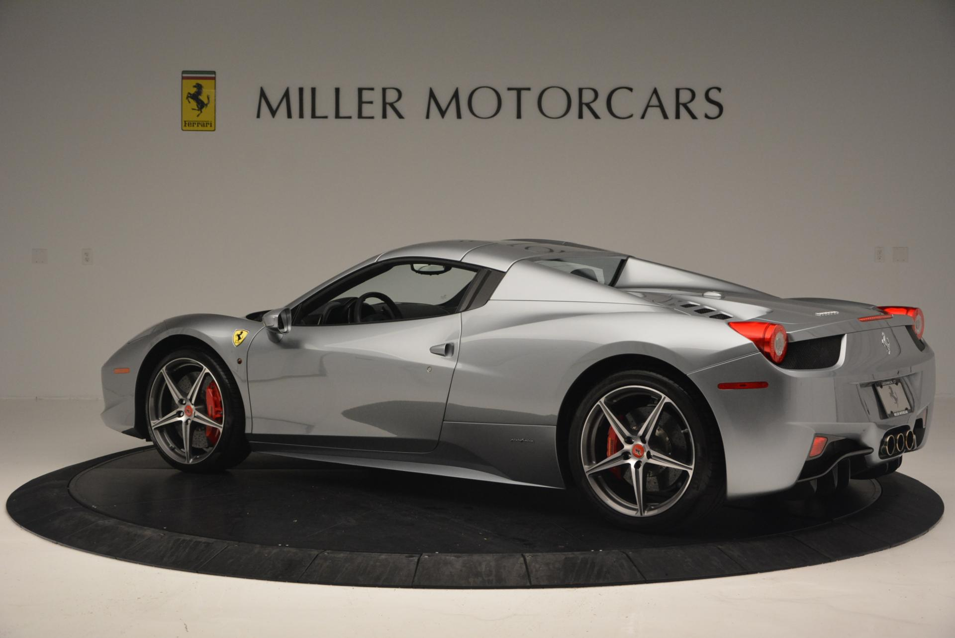Used 2013 Ferrari 458 Spider  For Sale In Greenwich, CT 128_p16