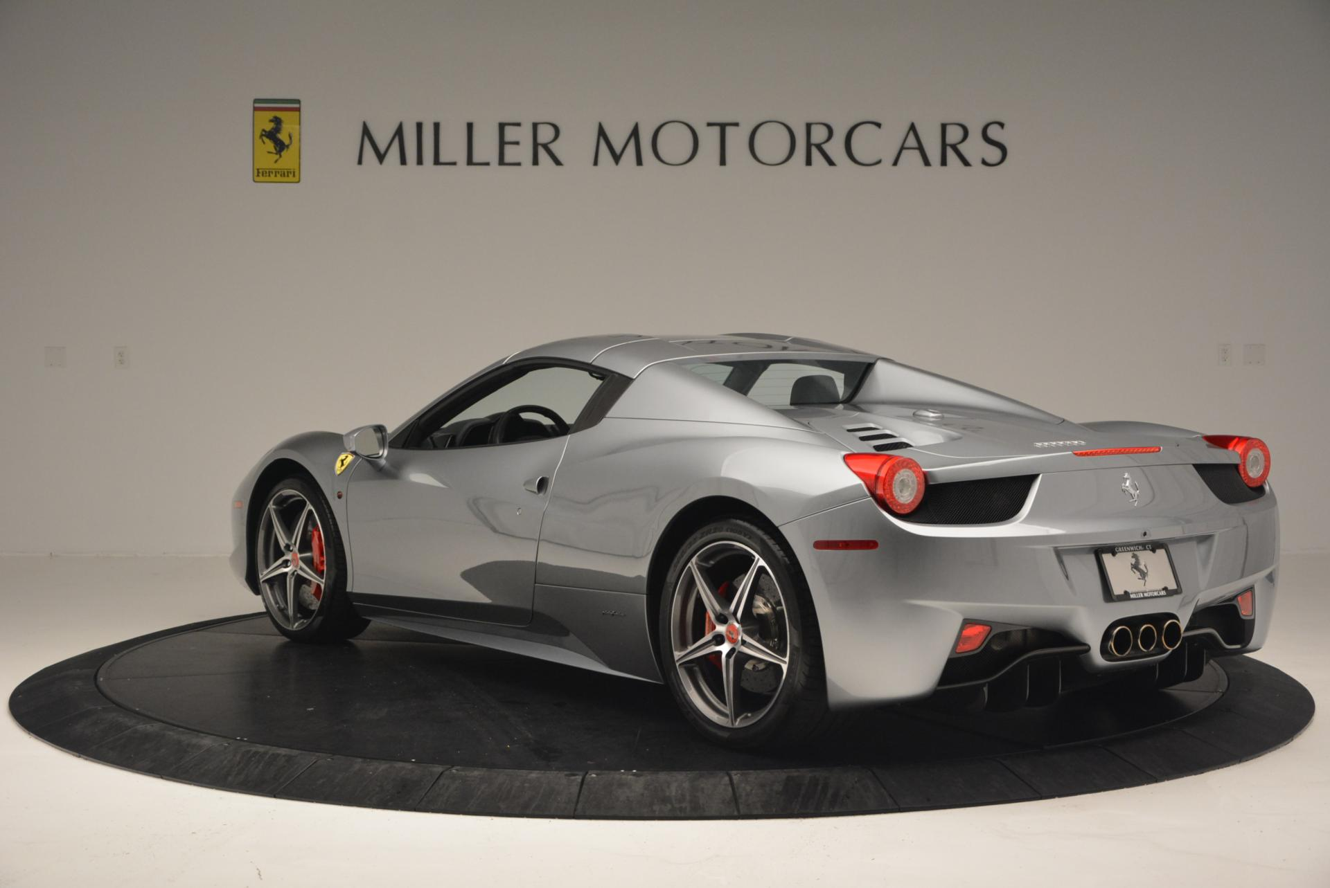 Used 2013 Ferrari 458 Spider  For Sale In Greenwich, CT 128_p17