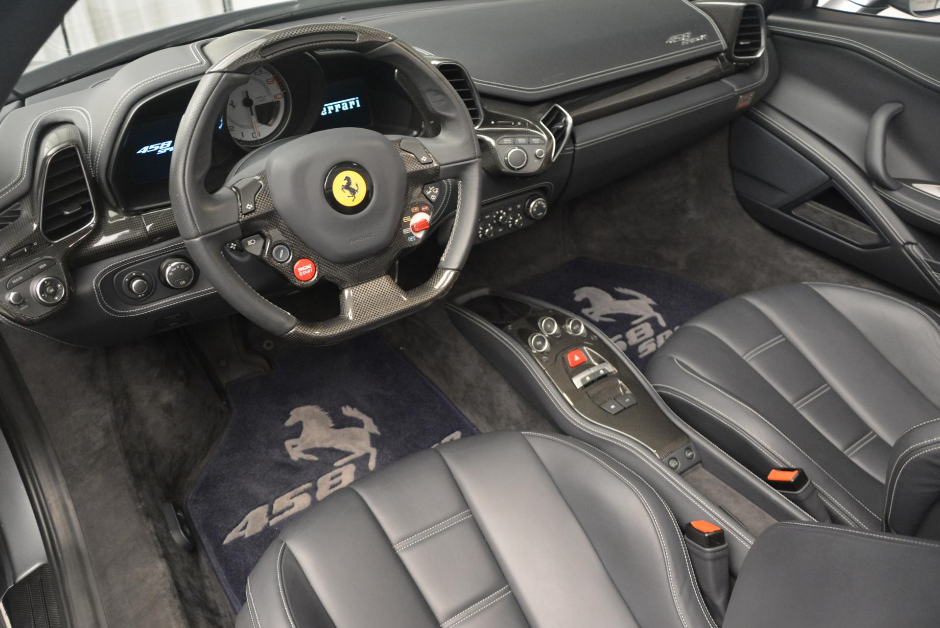 Used 2013 Ferrari 458 Spider  For Sale In Greenwich, CT 128_p25