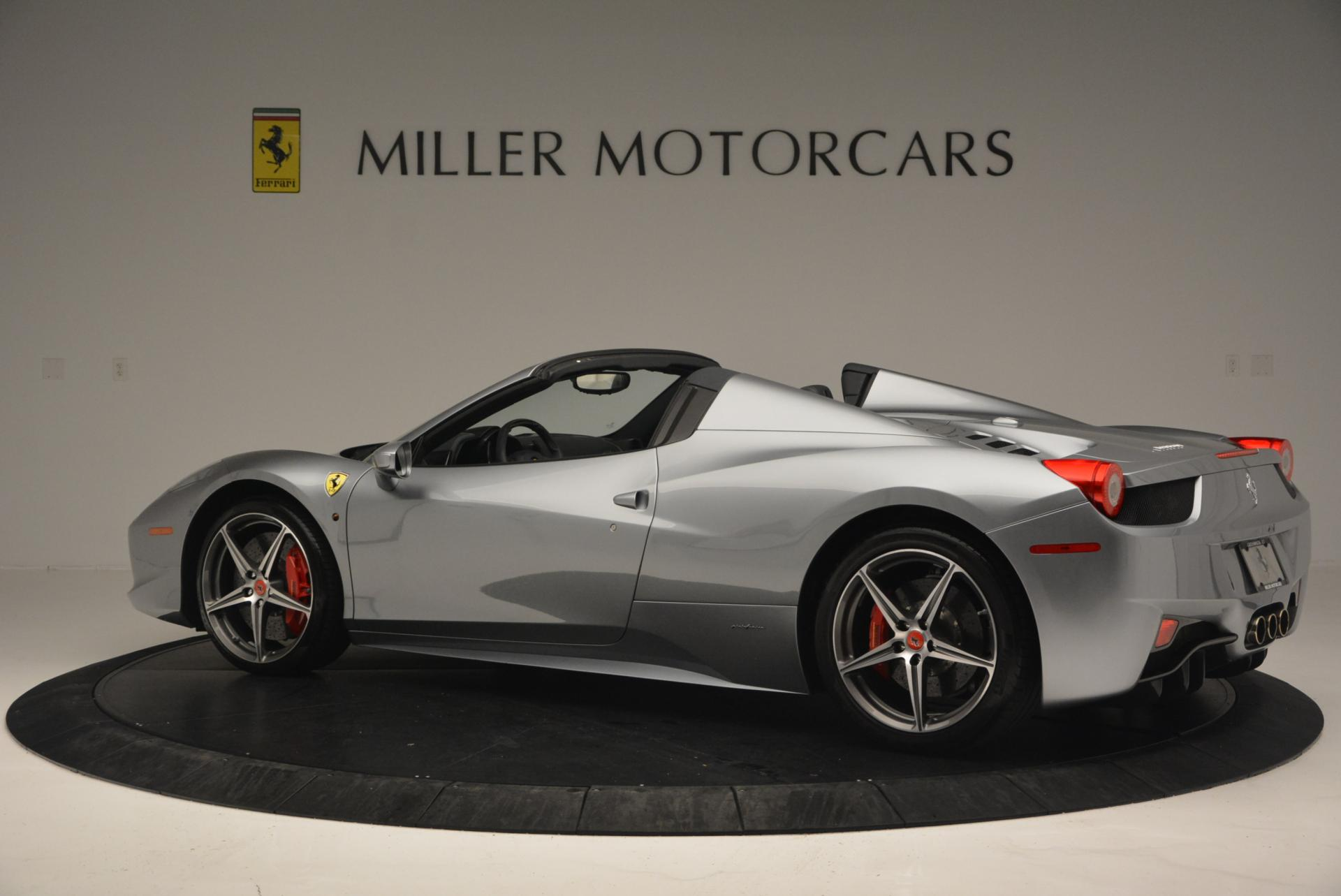 Used 2013 Ferrari 458 Spider  For Sale In Greenwich, CT 128_p4