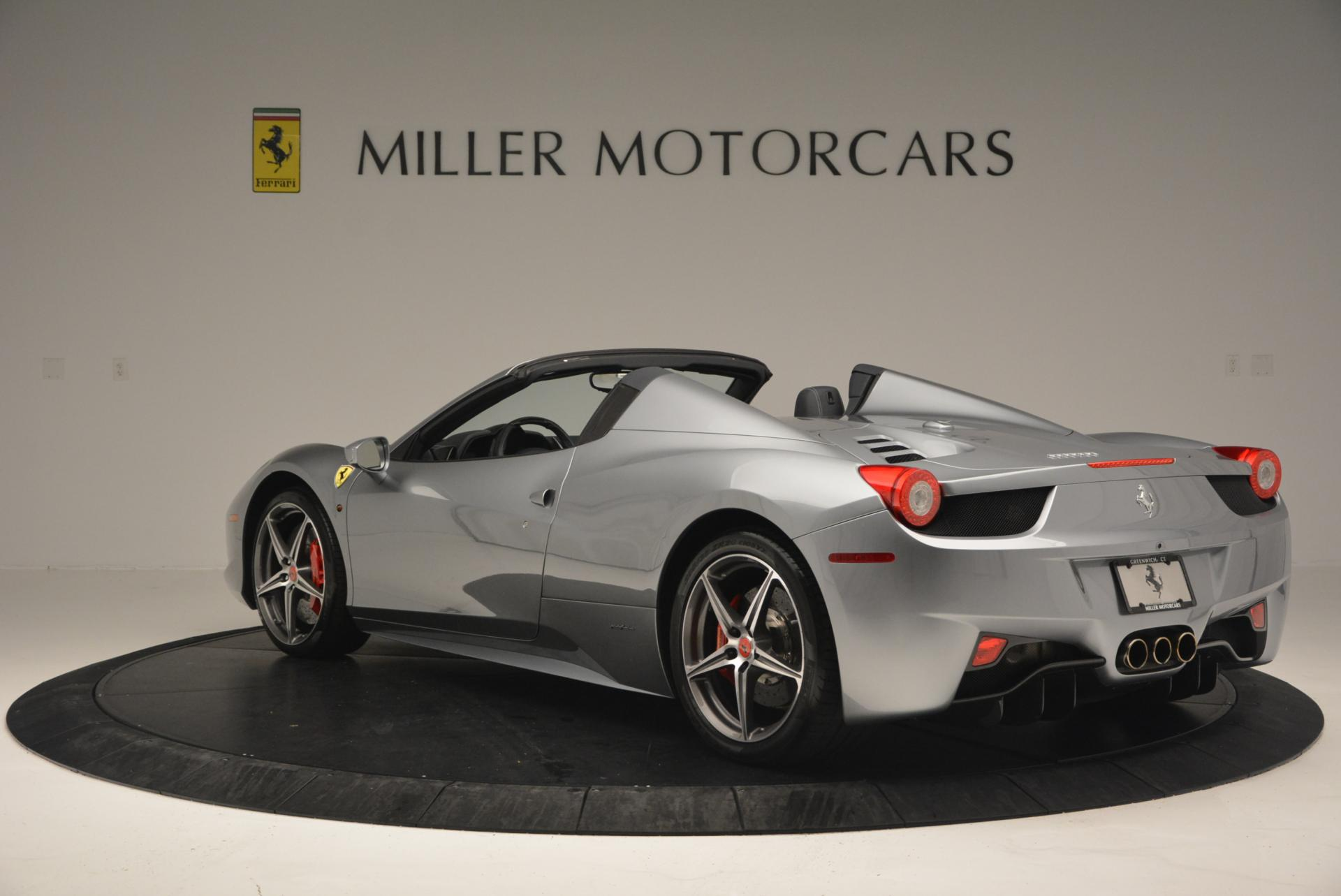 Used 2013 Ferrari 458 Spider  For Sale In Greenwich, CT 128_p5