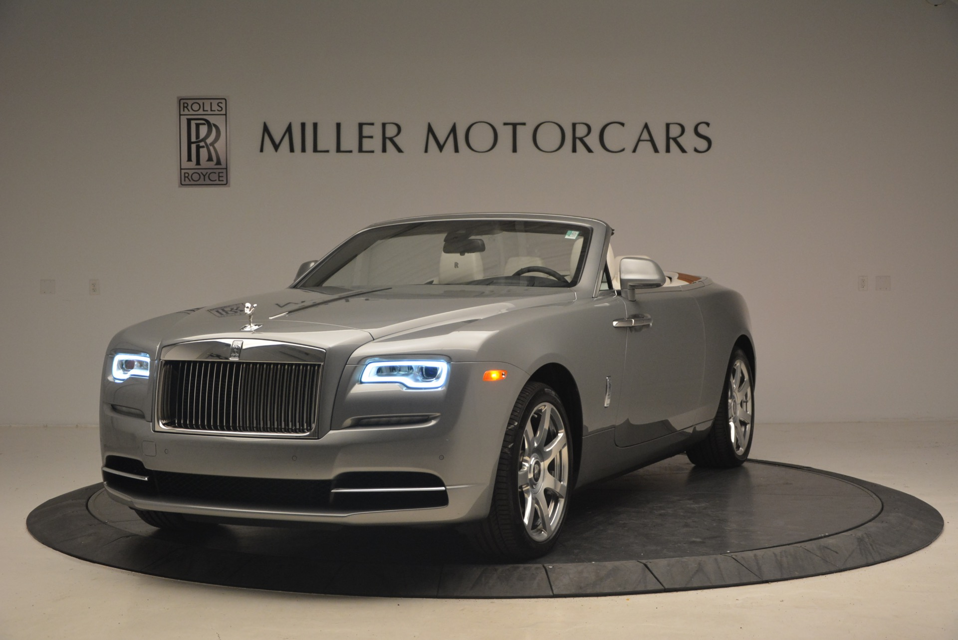 Used 2016 Rolls-Royce Dawn  For Sale In Greenwich, CT 1283_main