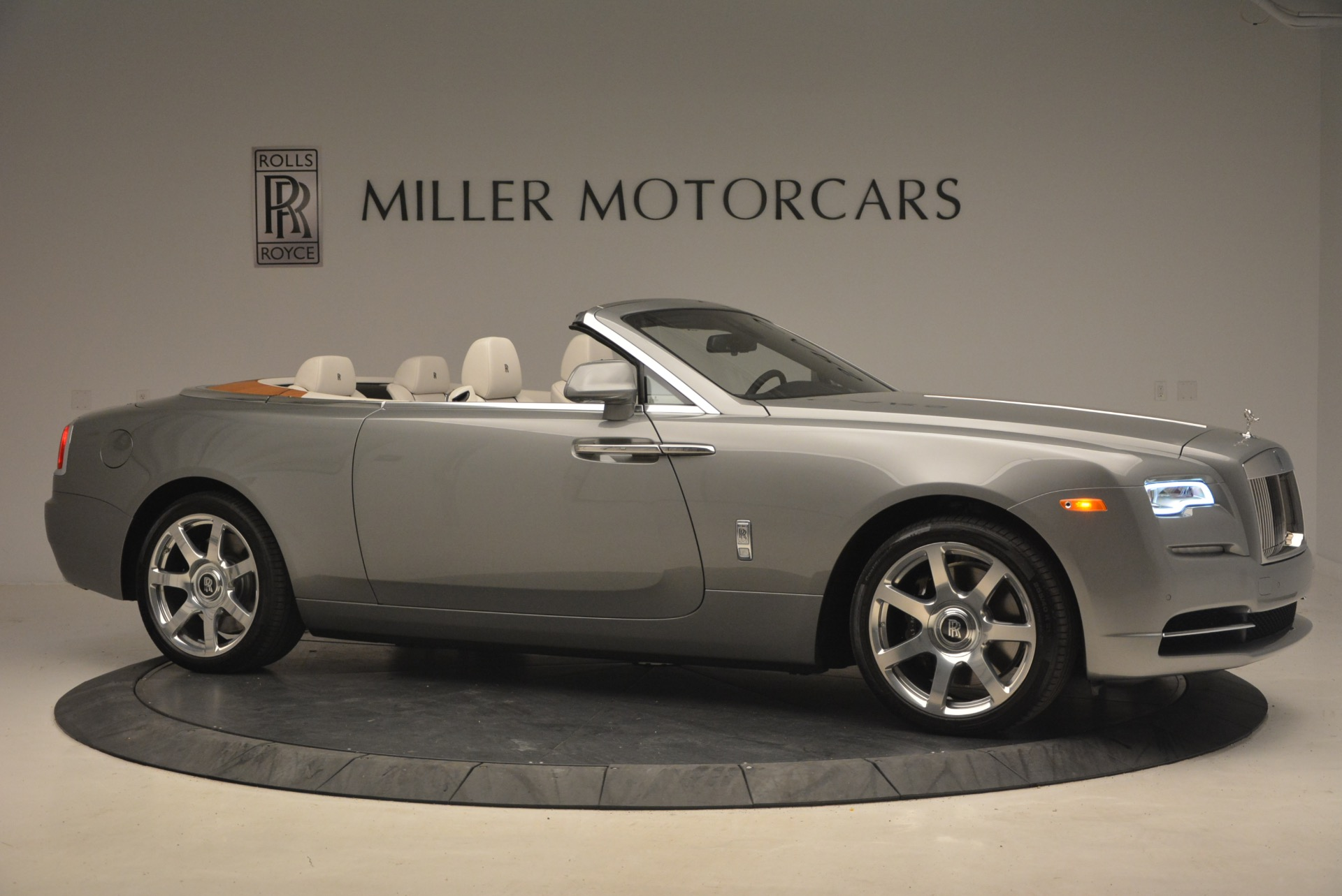 Used 2016 Rolls-Royce Dawn  For Sale In Greenwich, CT 1283_p10