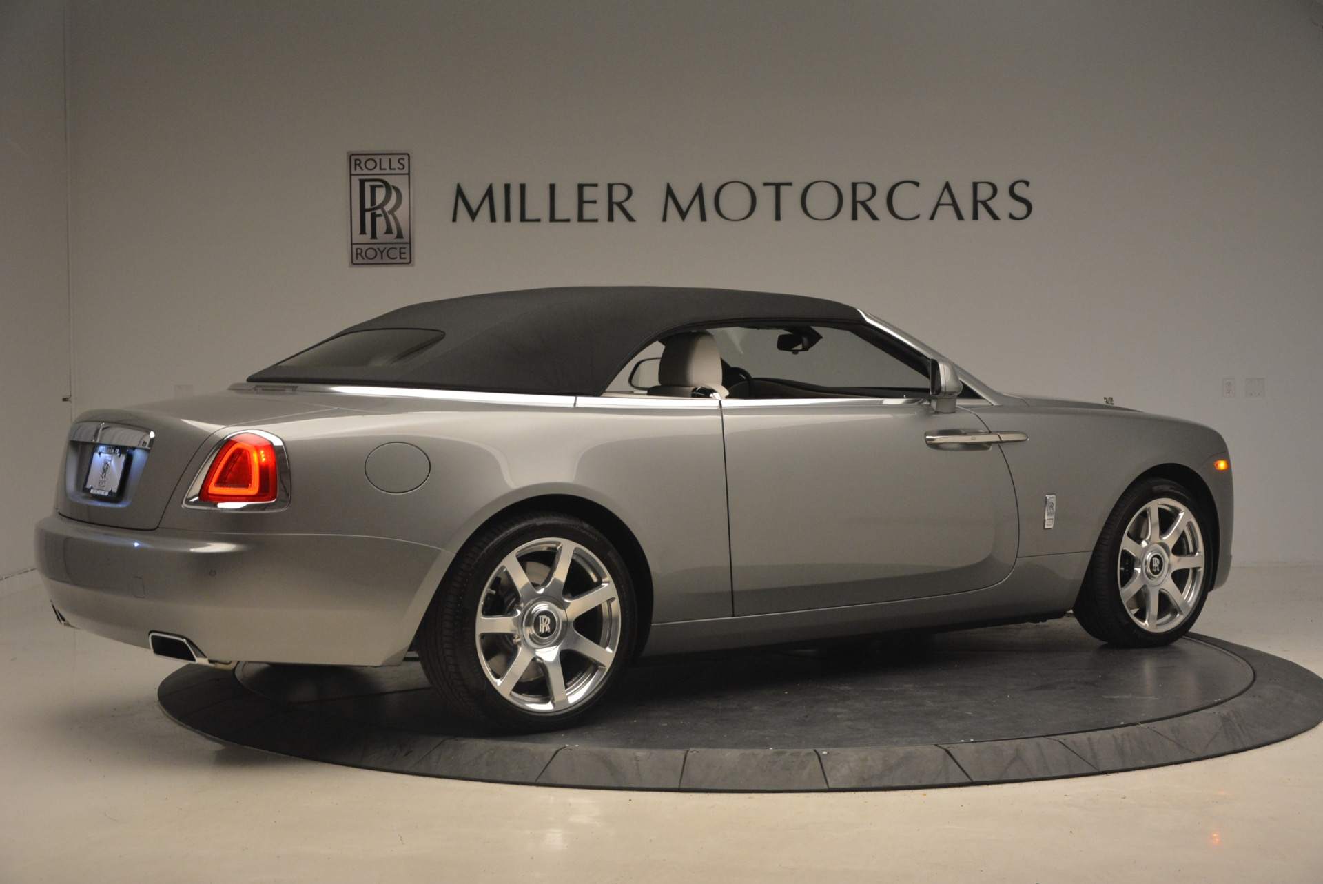 Used 2016 Rolls-Royce Dawn  For Sale In Greenwich, CT 1283_p21