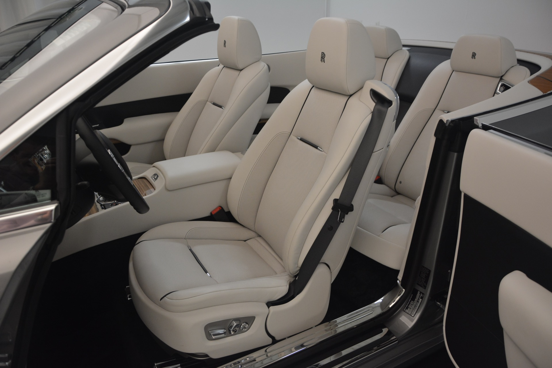 Used 2016 Rolls-Royce Dawn  For Sale In Greenwich, CT 1283_p31