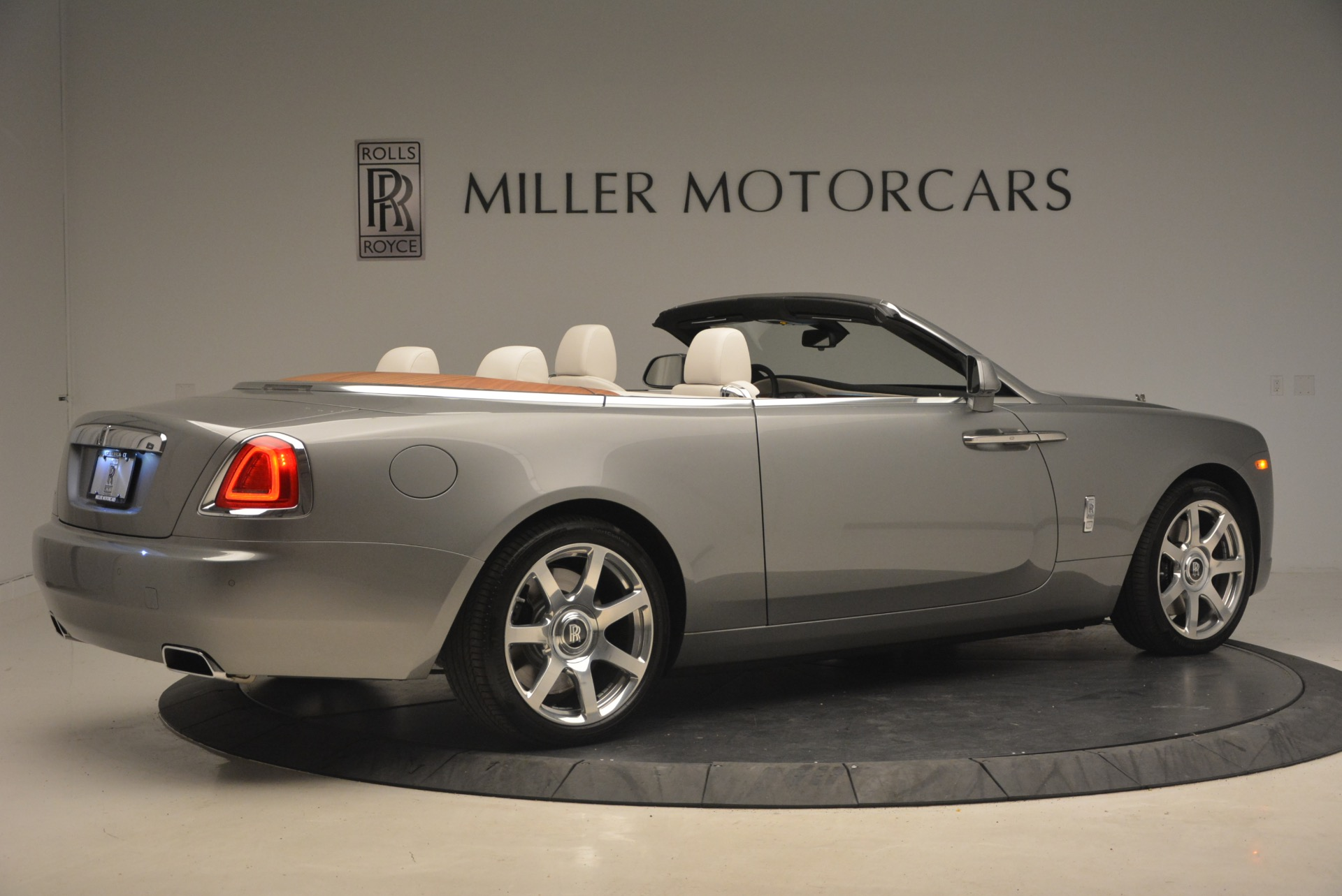 Used 2016 Rolls-Royce Dawn  For Sale In Greenwich, CT 1283_p8