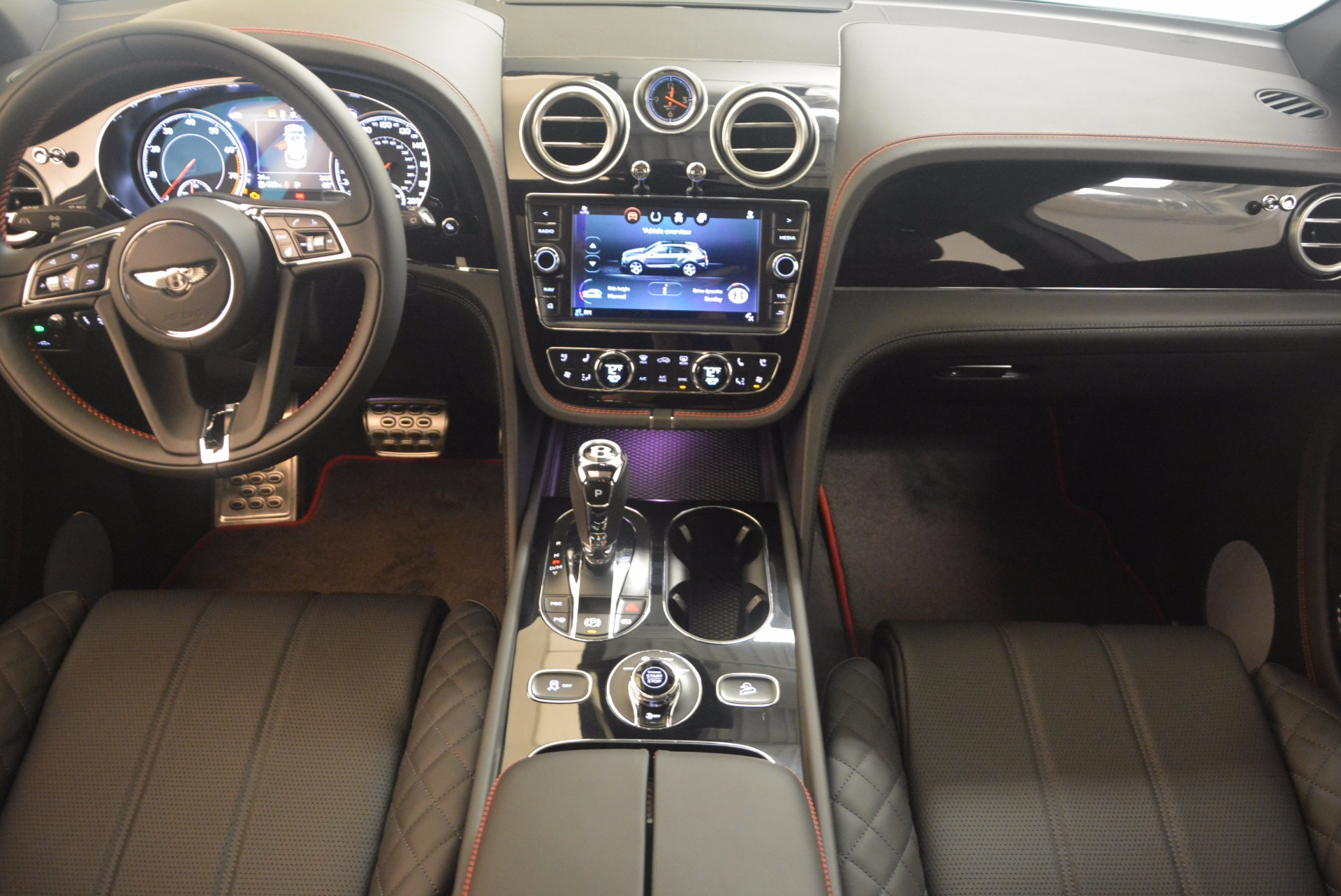 New 2018 Bentley Bentayga Black Edition For Sale In Greenwich, CT 1287_p36