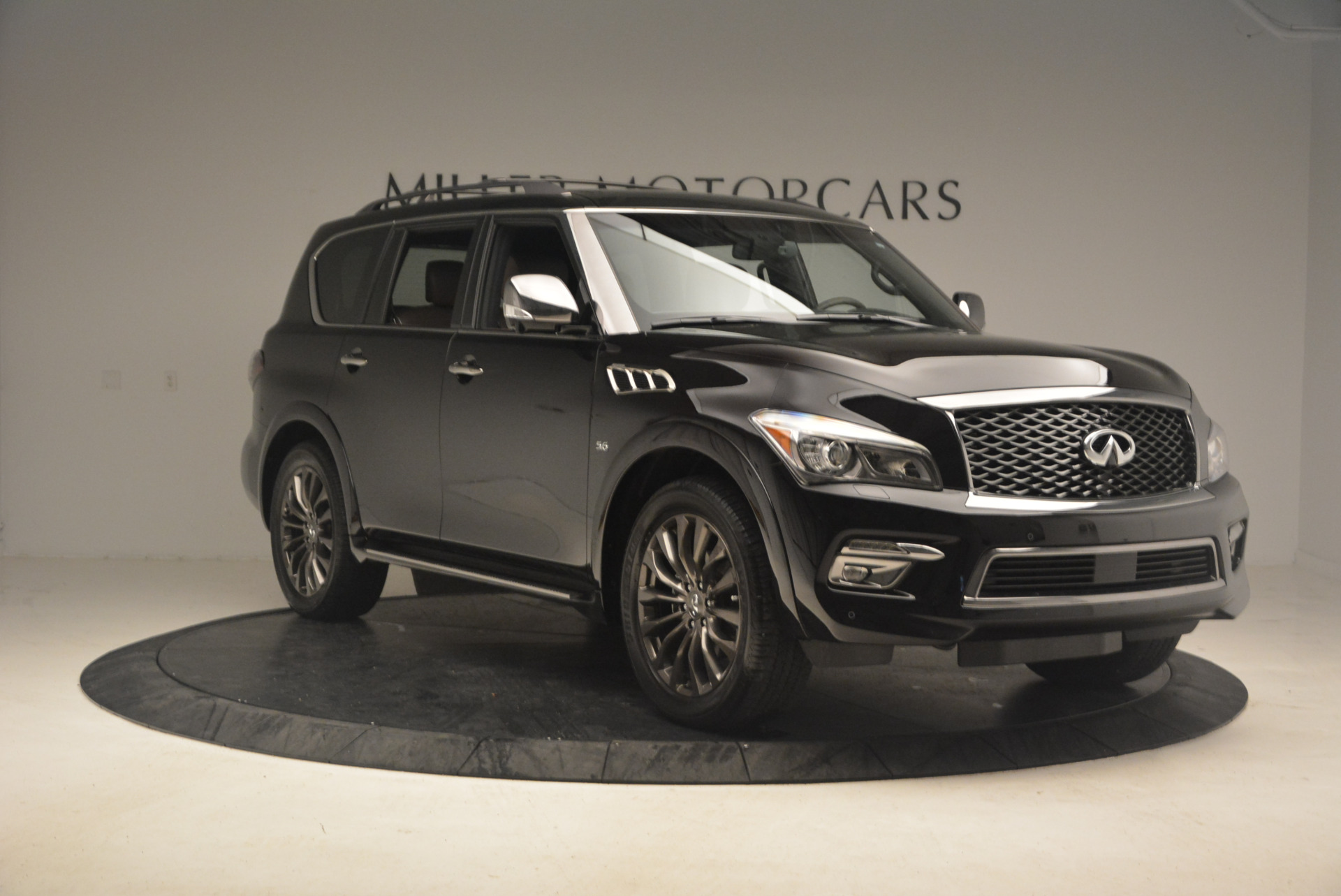 Used 2015 INFINITI QX80 Limited 4WD For Sale In Greenwich, CT 1289_p11
