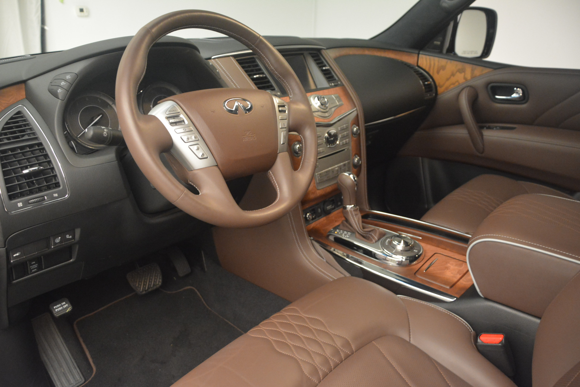 Used 2015 INFINITI QX80 Limited 4WD For Sale In Greenwich, CT 1289_p15