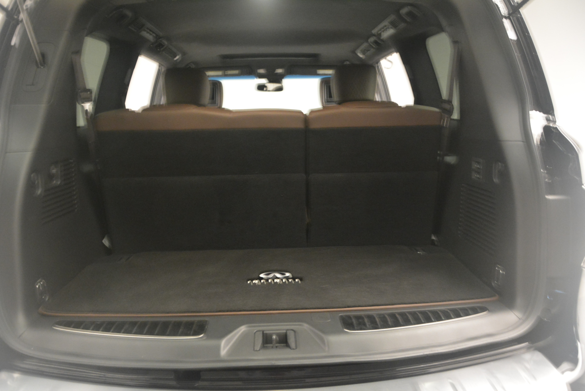 Used 2015 INFINITI QX80 Limited 4WD For Sale In Greenwich, CT 1289_p23